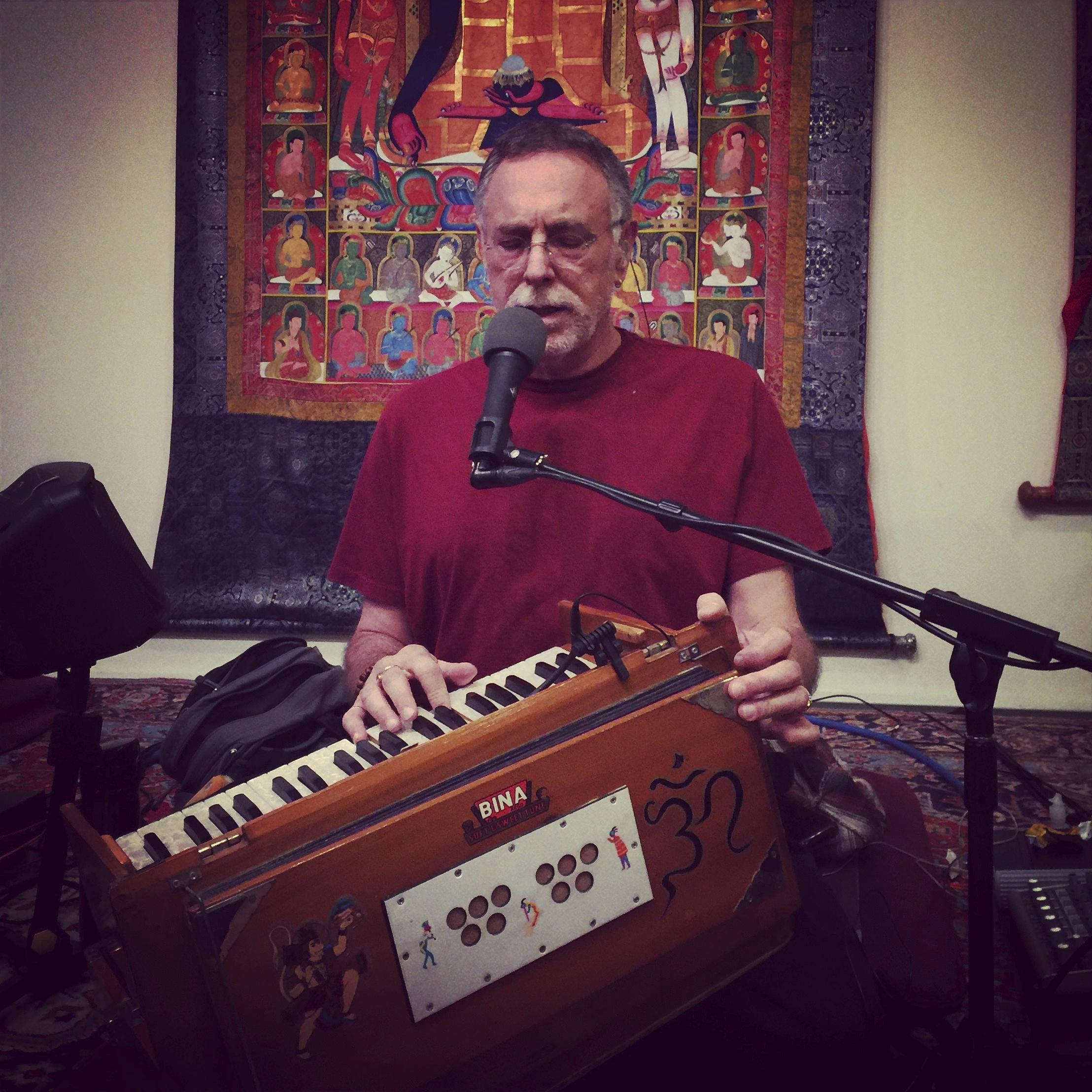 Krishna Das leading chanting
