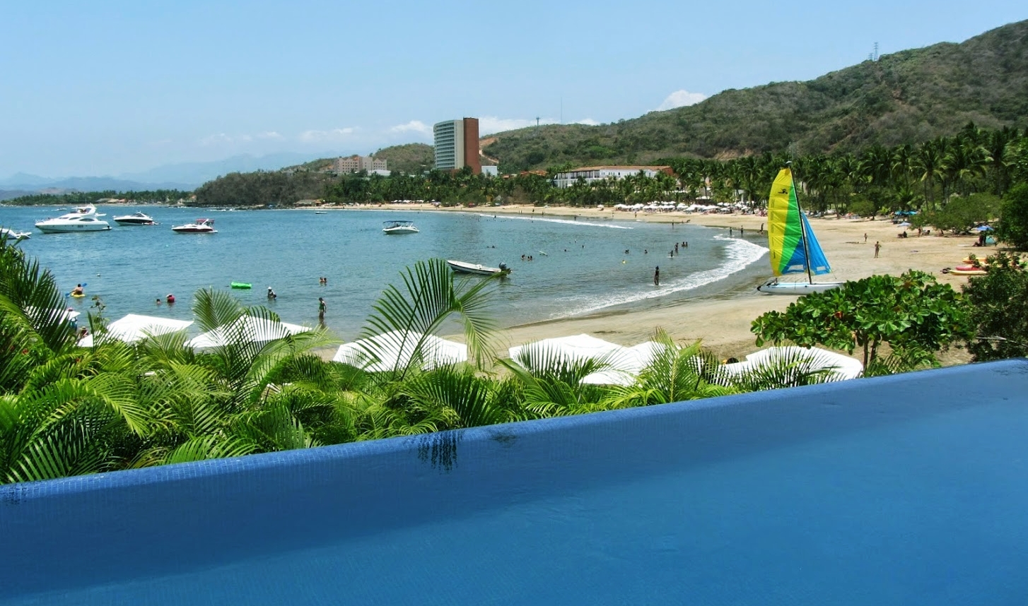 Playa Quieta Beach Club is perfect for families with small children with the most calm waves and water sports.