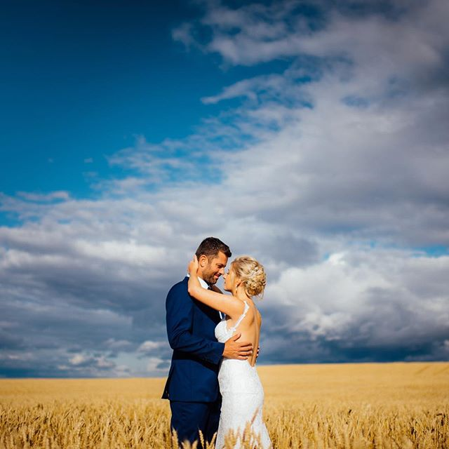 Thinking back to the last of the great summer weather. Congratulations to these two on their beautiful country wedding.