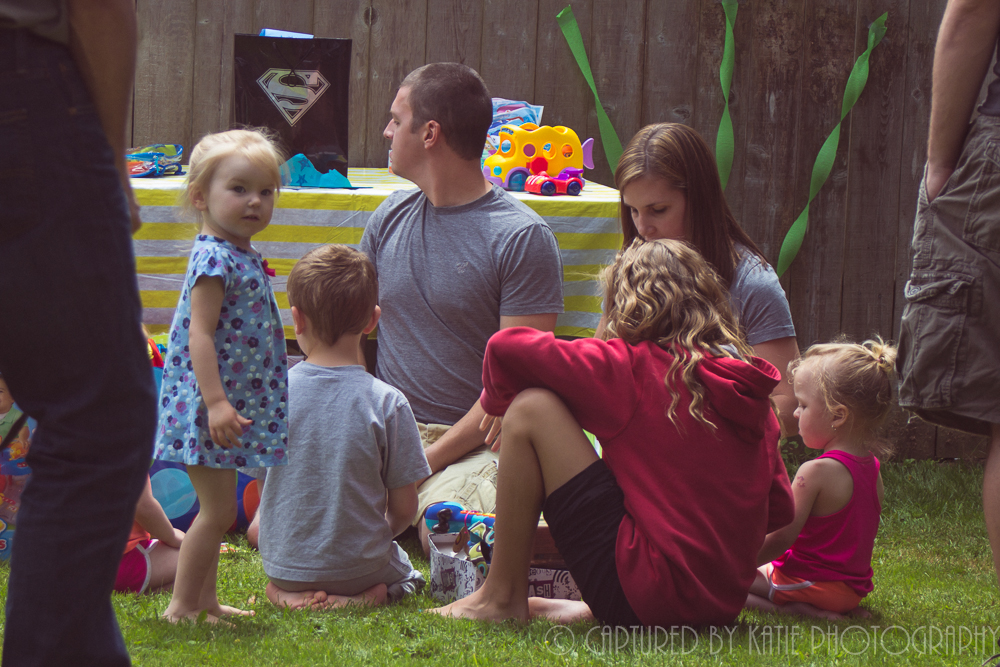 Gather Around By Captured By Katie Photography, Bonney Lake Photographer