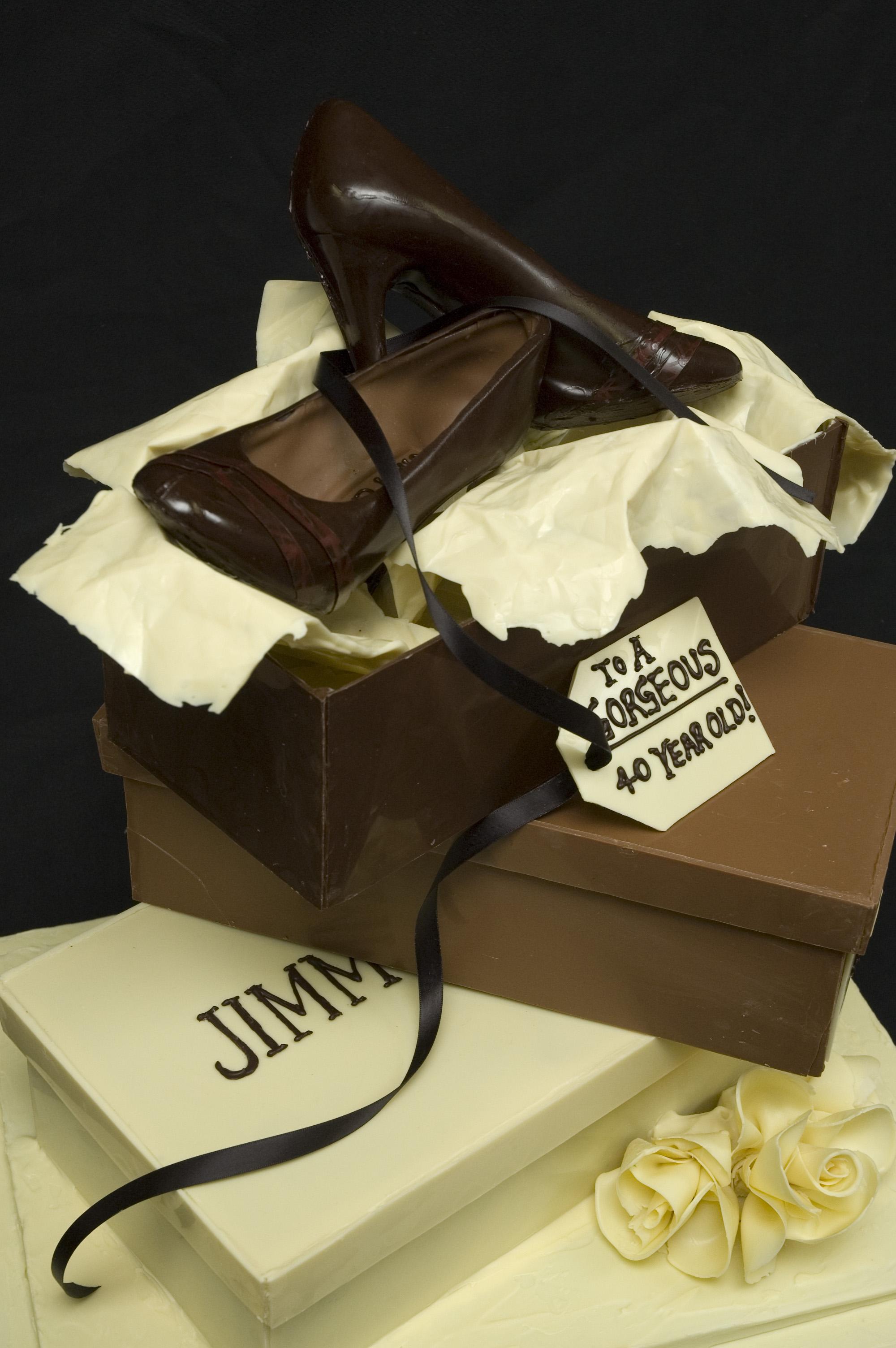 Jimmy Choo CakeLg05.jpg