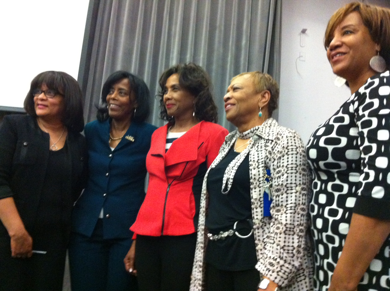 The Brooklyn Links are a classy group of women. Professional, stylish and top patrons of the arts. Brava!