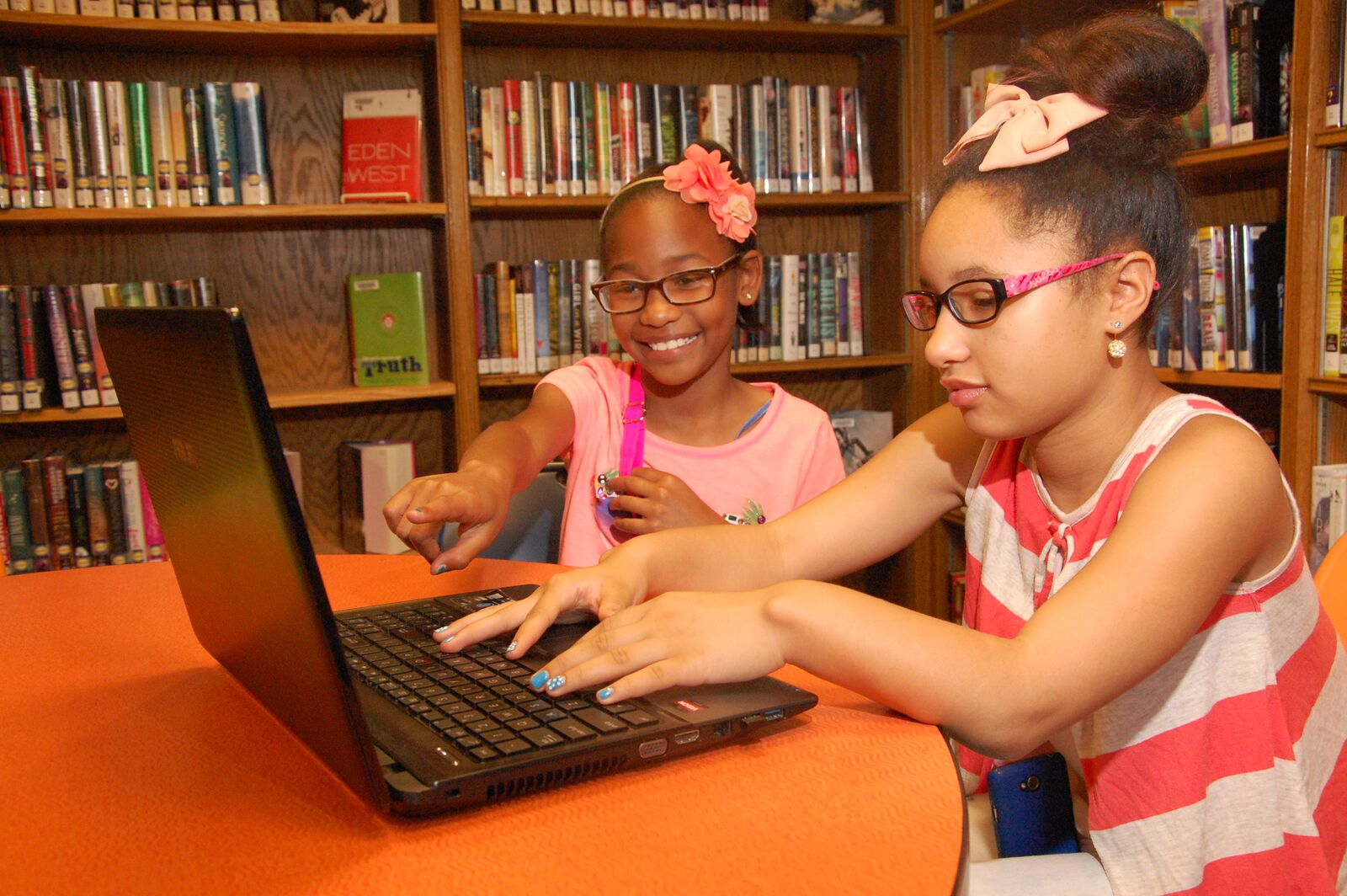 Location: Brentwood Public Library. Photographer: Kirsten Petty