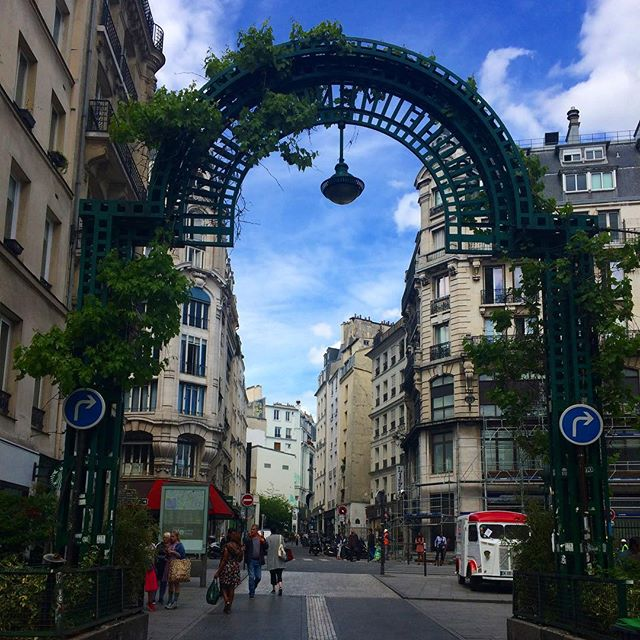 Have you been to one of the best streets in Paris? . . #paris #street #photography #streetphotography #photo #pic #photooftheday #visit #wasthere #parisjetaime #montorgueil #people #ruemontorgueil #luxurylifestyle #parispeople #iloveparis #theparispeople #luxury #peopleofparis #parisianstyle #jdtroad #justdowntheroad