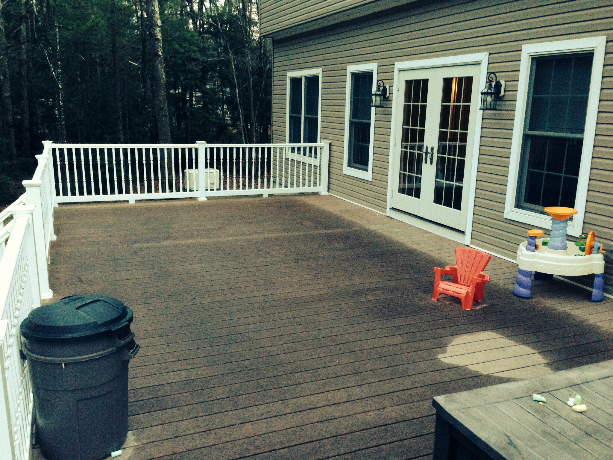16' x 36' Trex deck - Family of Six (four young children)