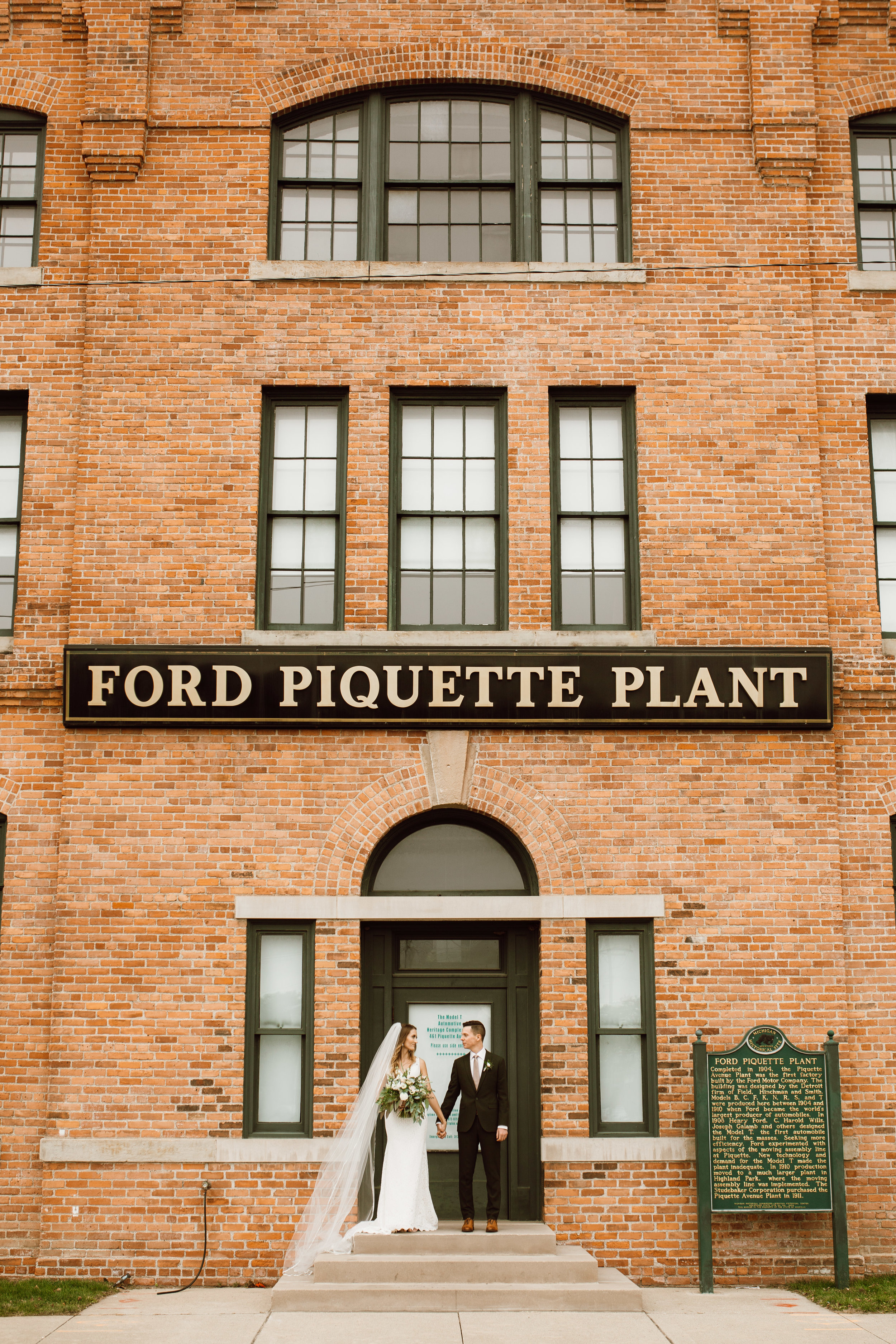 Katie_Vonasek_Photography_Ford_Piquette_Plant_Wedding_Detroit49.JPG