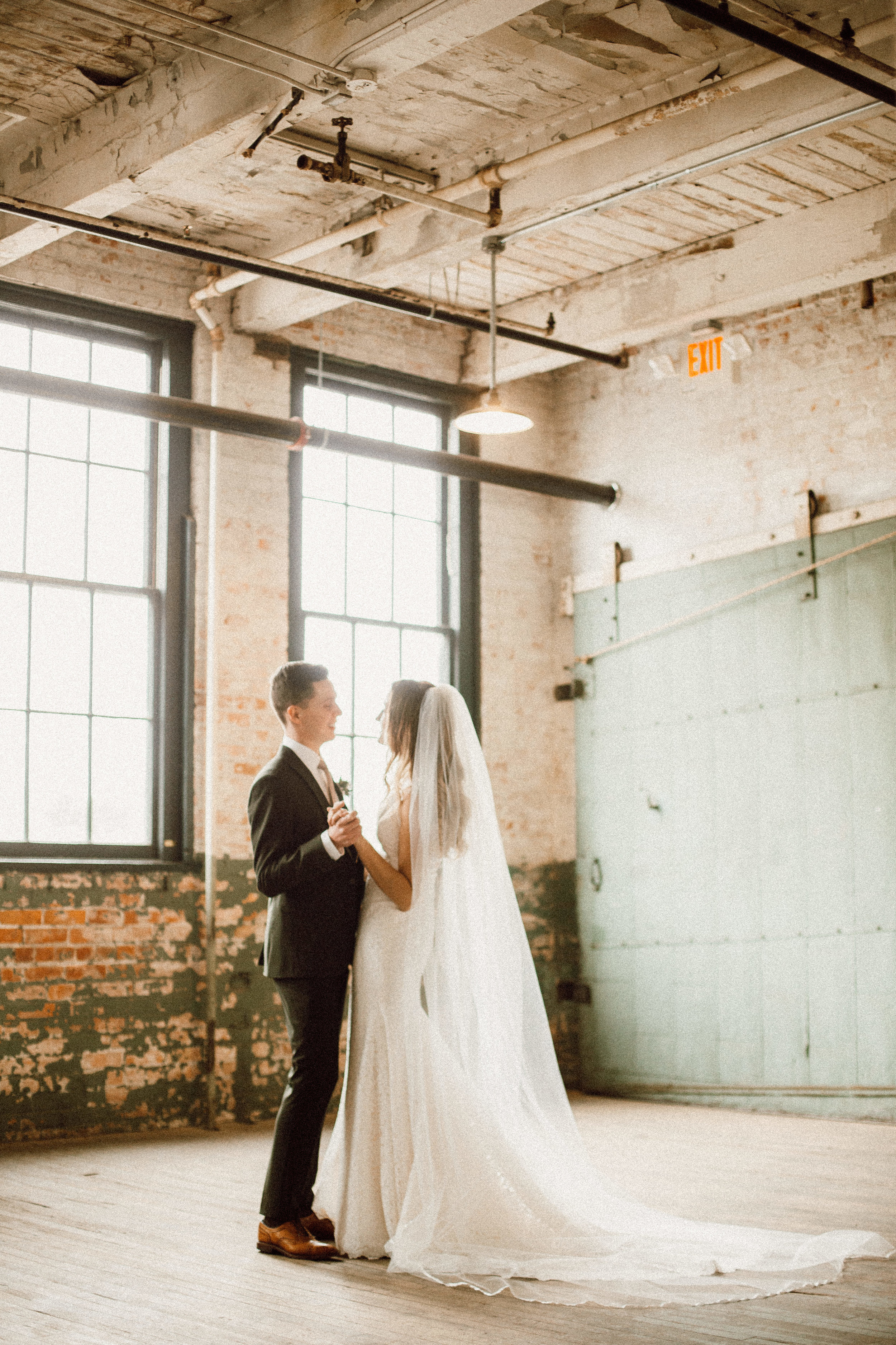 Katie_Vonasek_Photography_Ford_Piquette_Plant_Wedding_Detroit52.JPG