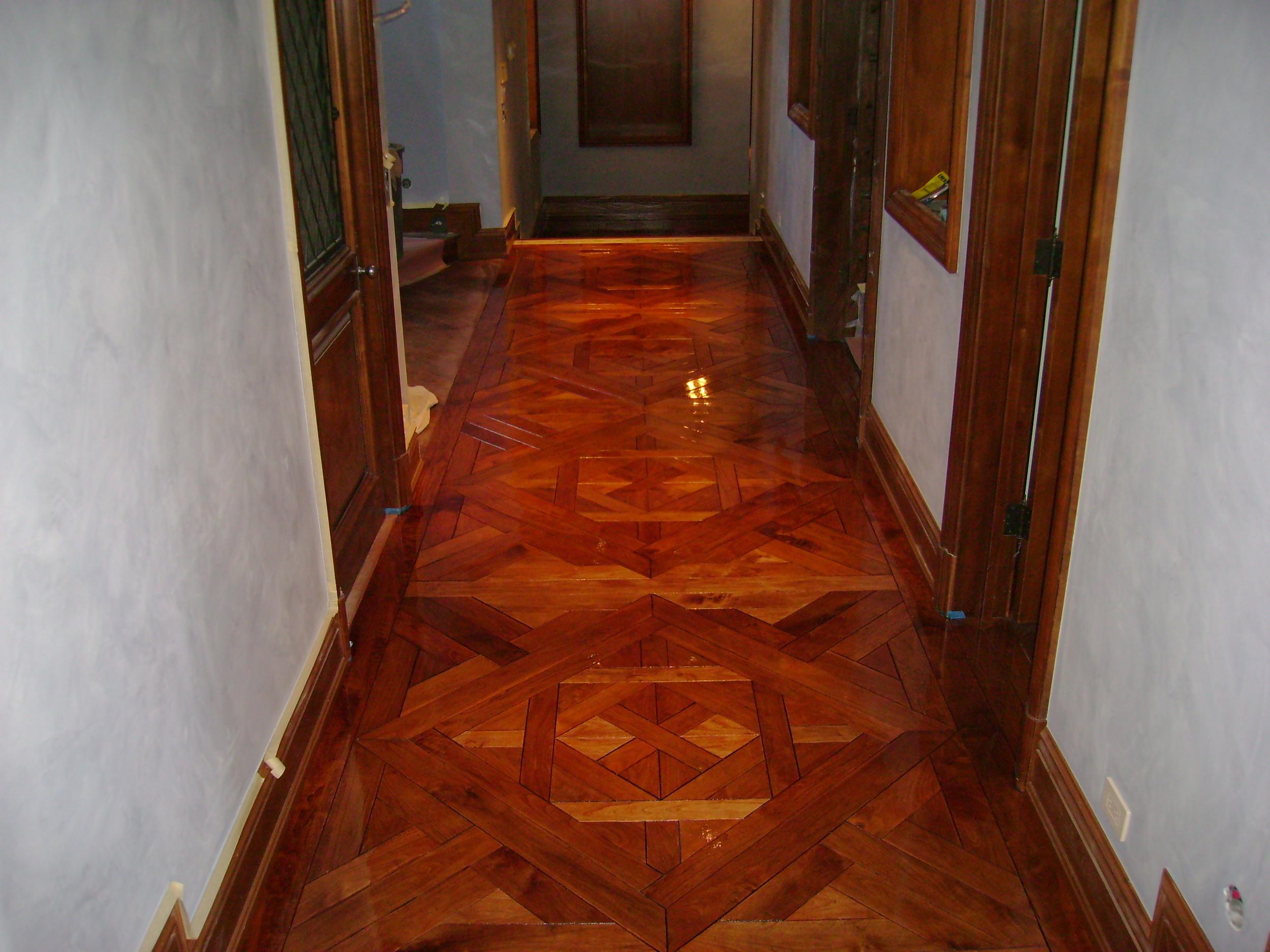 Bordeaux flooring pattern in walnut