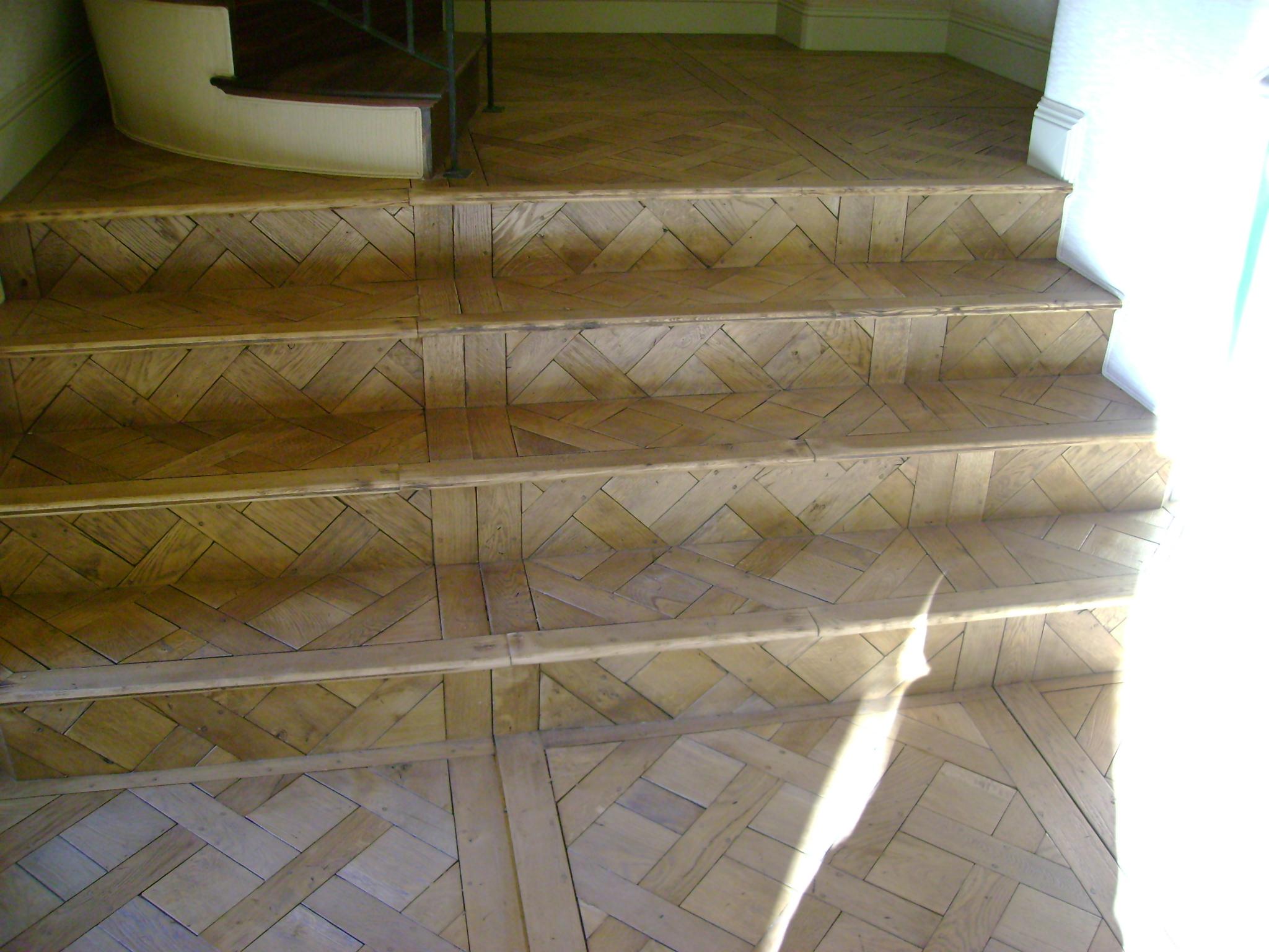 Versailles wood pattern staircase