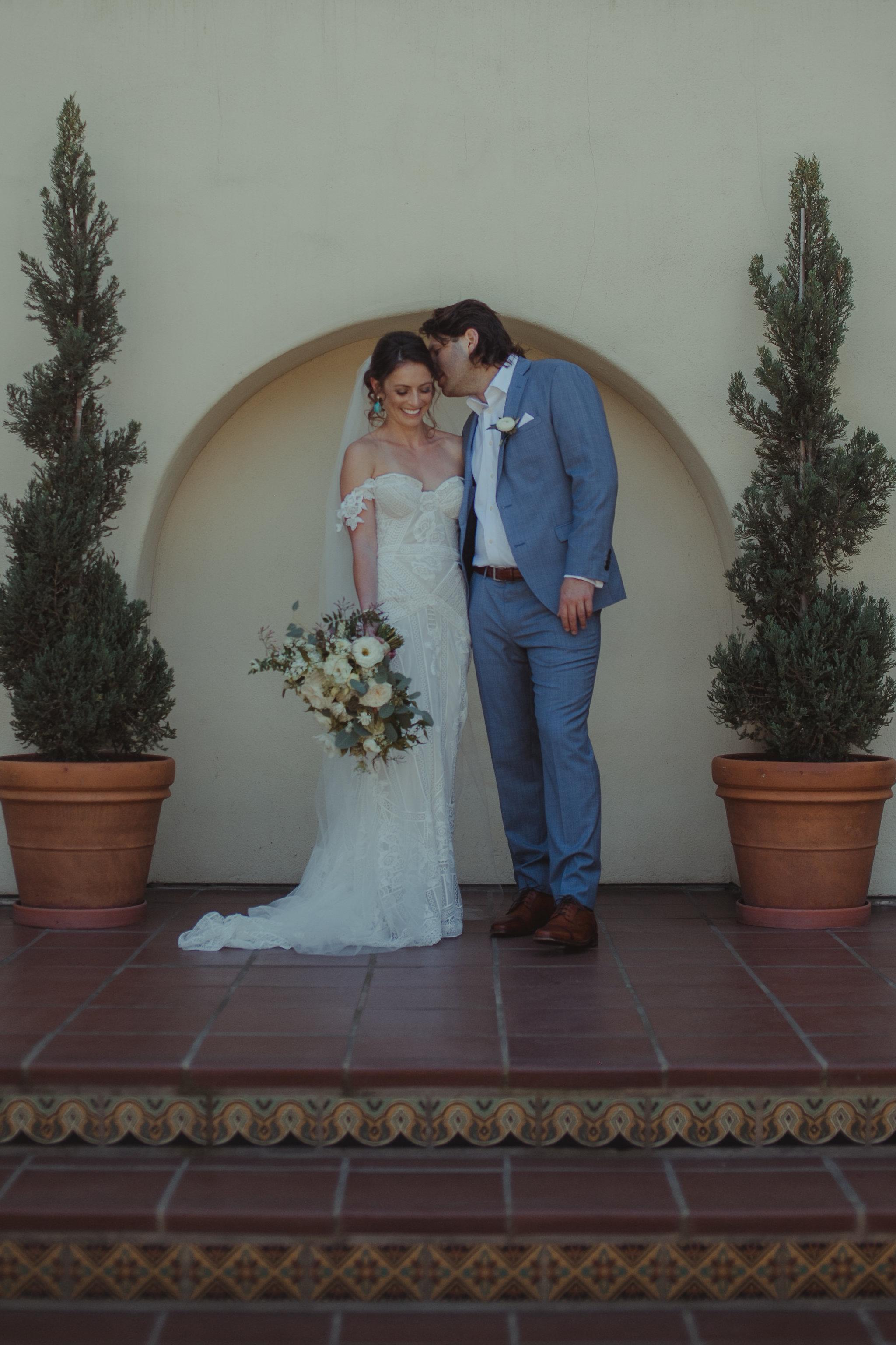lolo-and-noa-la-jolla-wedding-scripps-blooms-by-breesa-lee-Edit.jpg