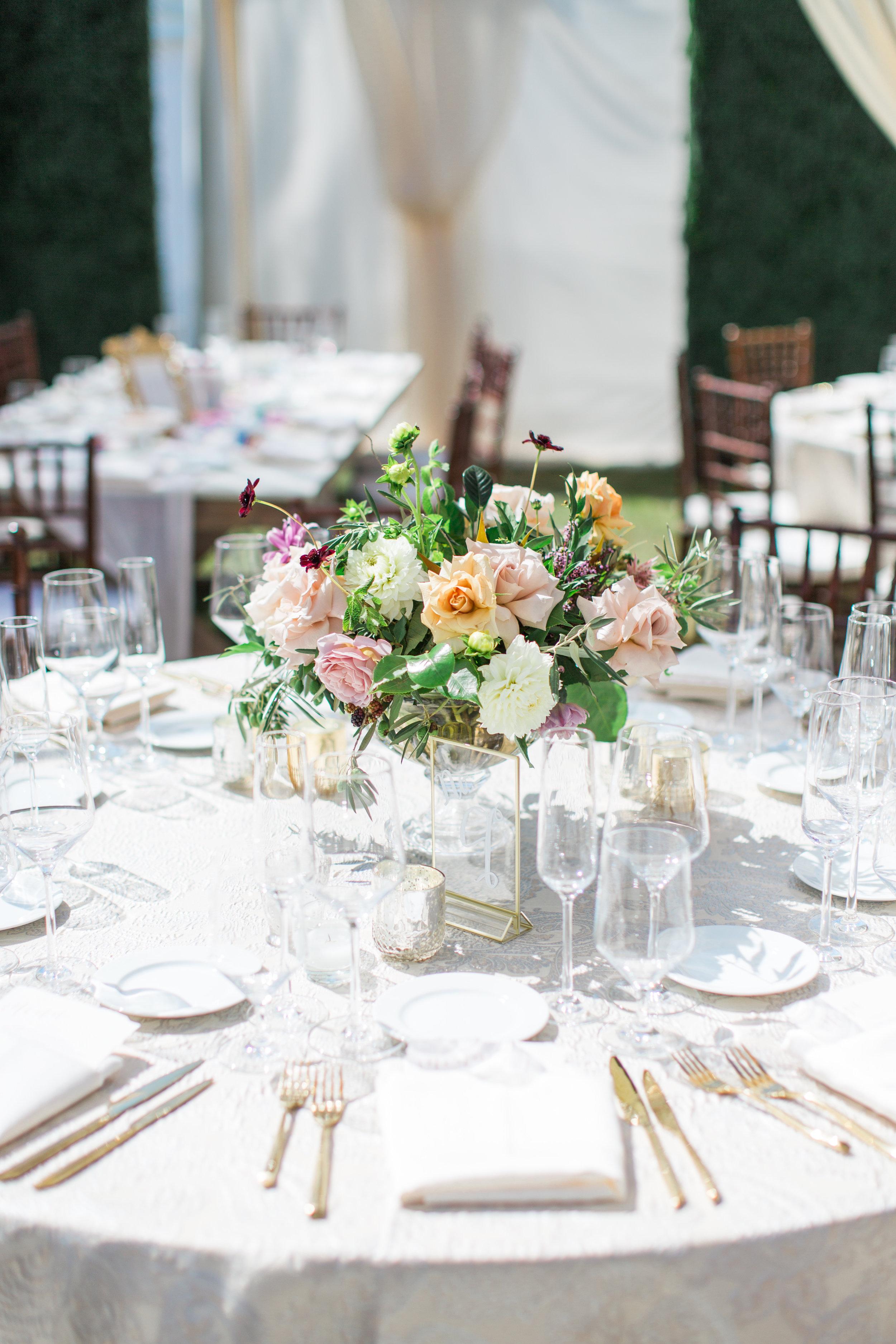 Blooms-breesa-lee-luxury-florist-aga-jones-tres-chic-affairs-san-diego-wedding-classic-coast-catering-(12).jpg