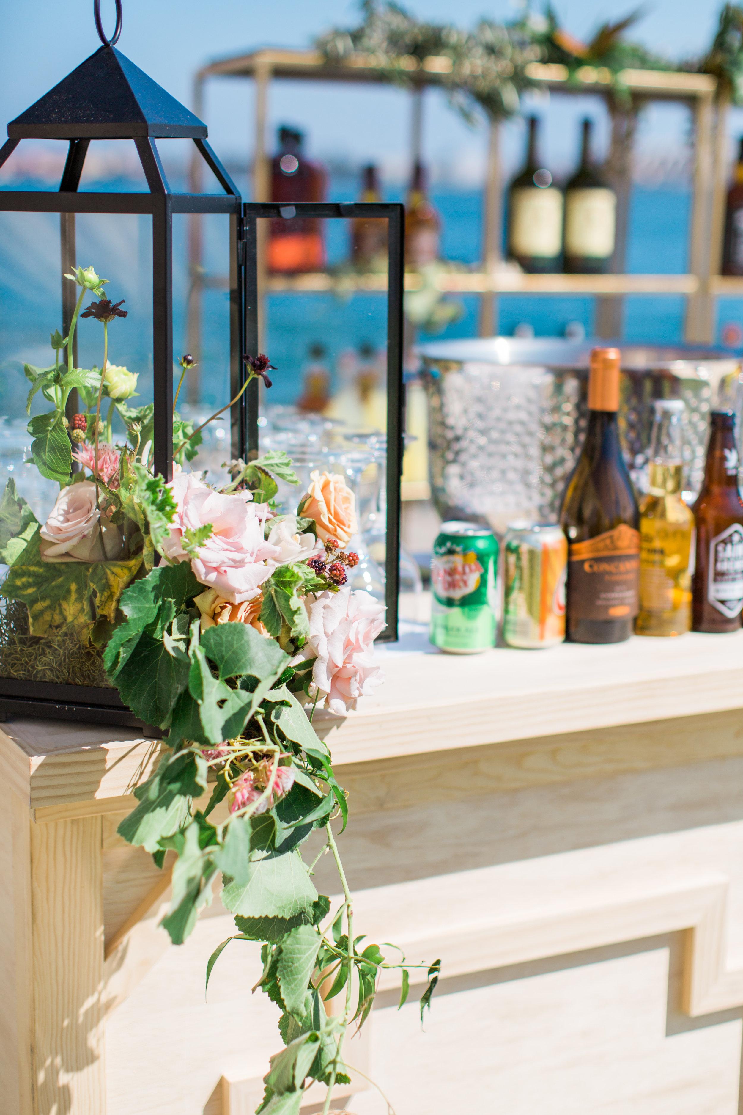 Blooms-breesa-lee-luxury-florist-aga-jones-tres-chic-affairs-san-diego-wedding-classic-coast-catering-(24).jpg
