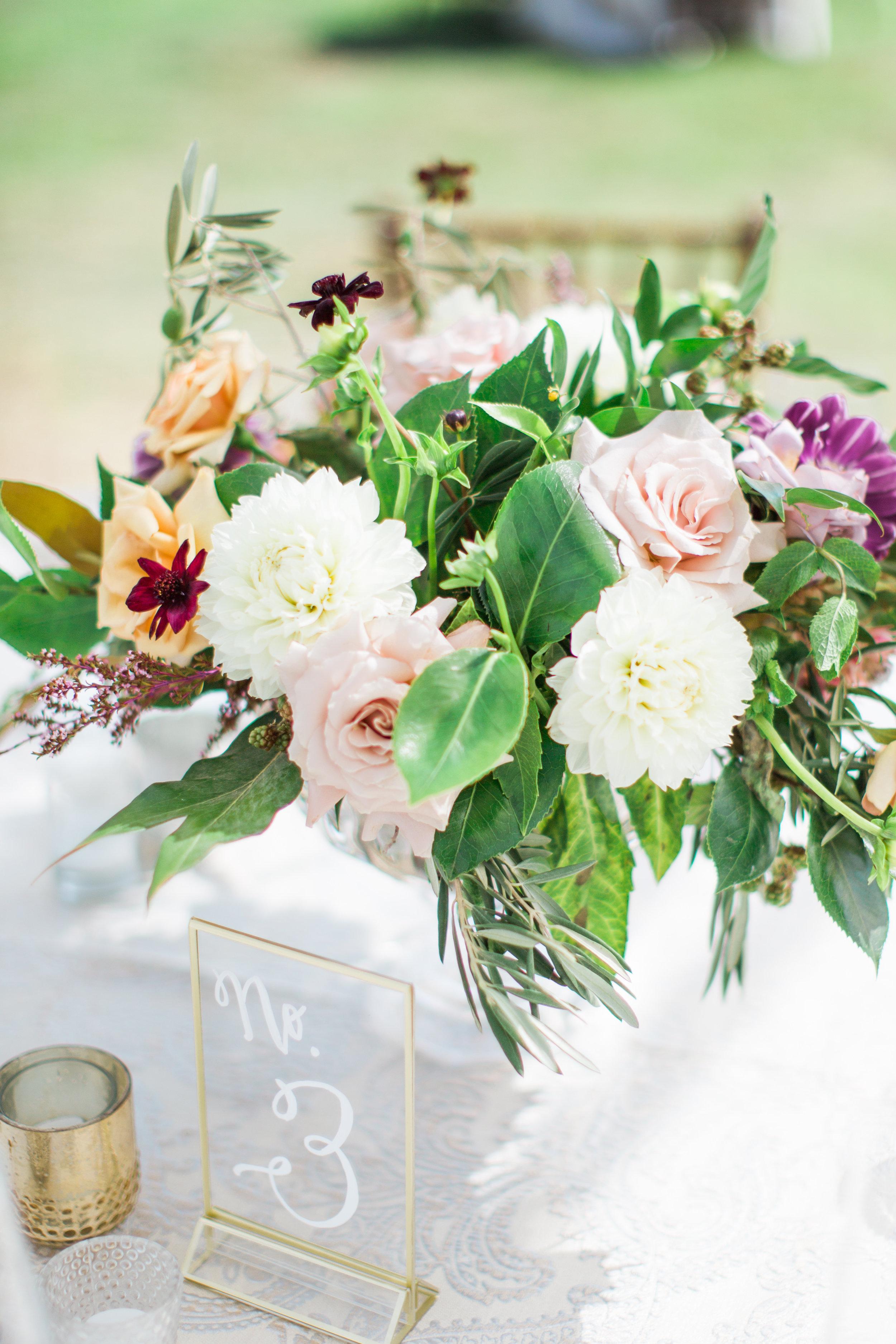 Blooms-breesa-lee-luxury-florist-aga-jones-tres-chic-affairs-san-diego-wedding-classic-coast-catering-(43).jpg