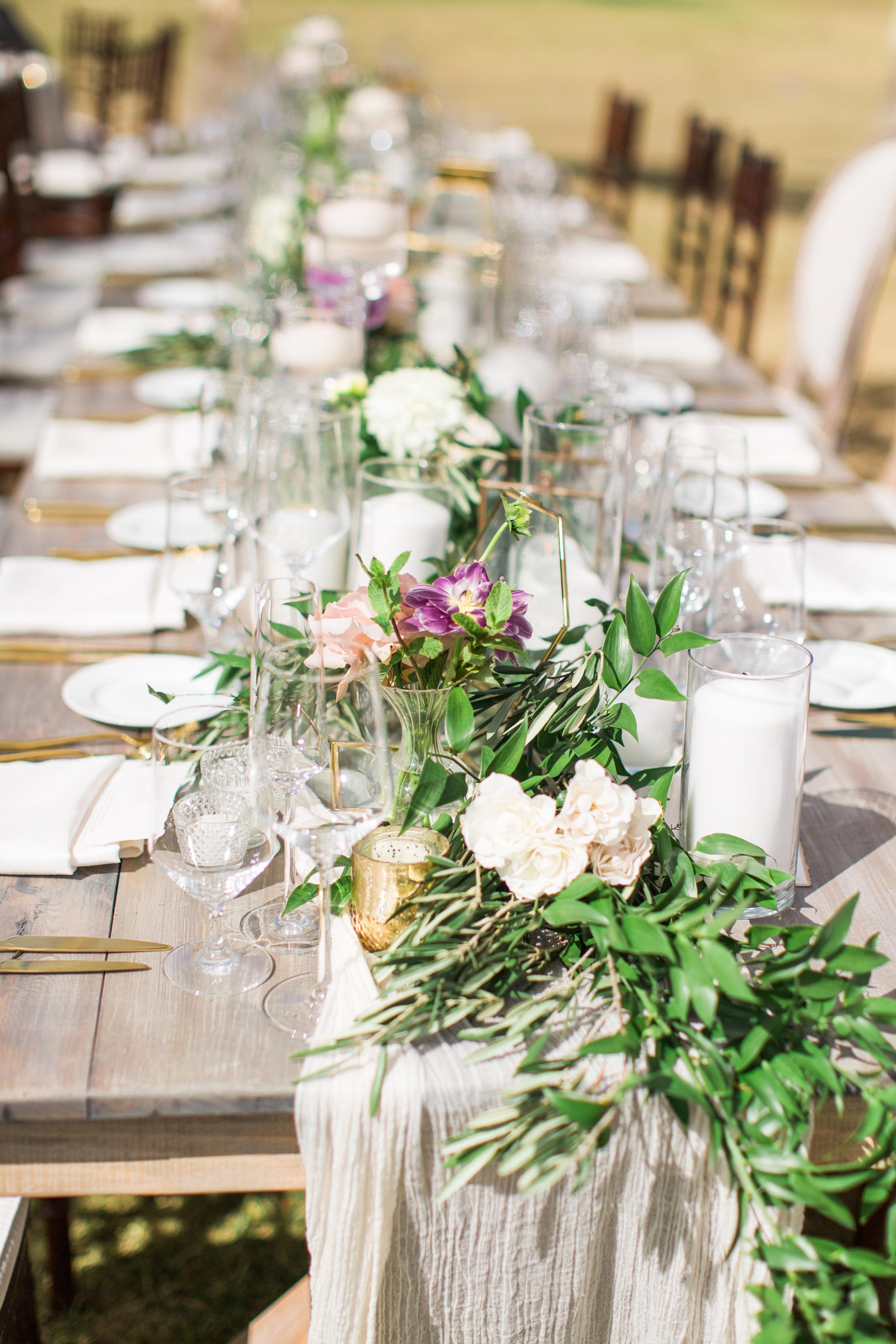 Blooms-breesa-lee-luxury-florist-aga-jones-tres-chic-affairs-san-diego-wedding-classic-coast-catering-58).jpg