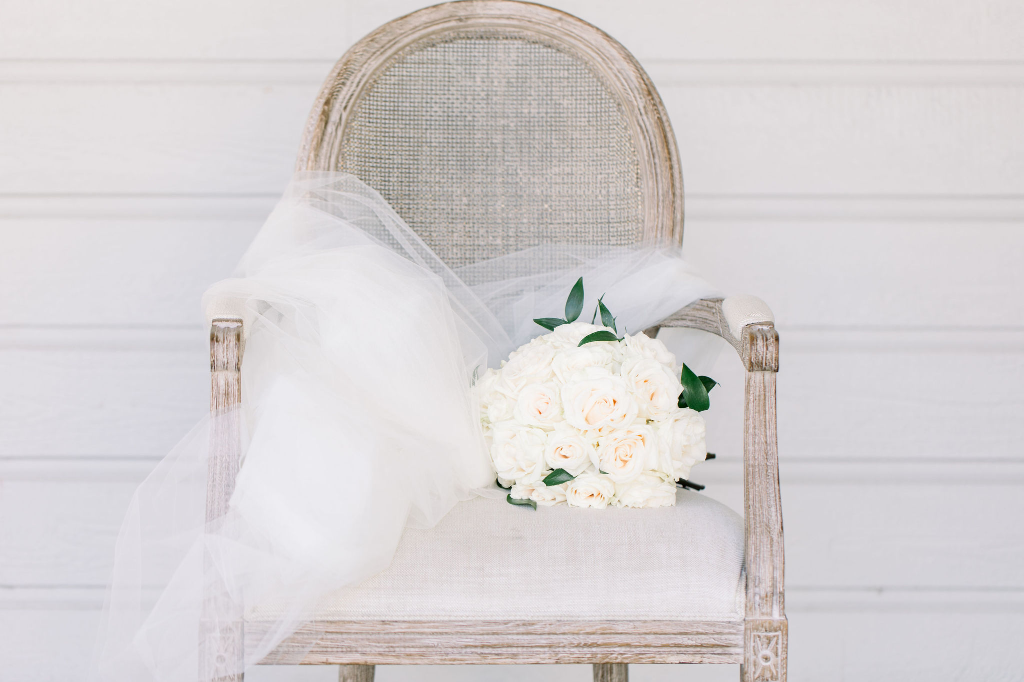 sydney-bodi-wedding-budget-friendly-blooms-carmel-mountain-white-flowers-1.jpg