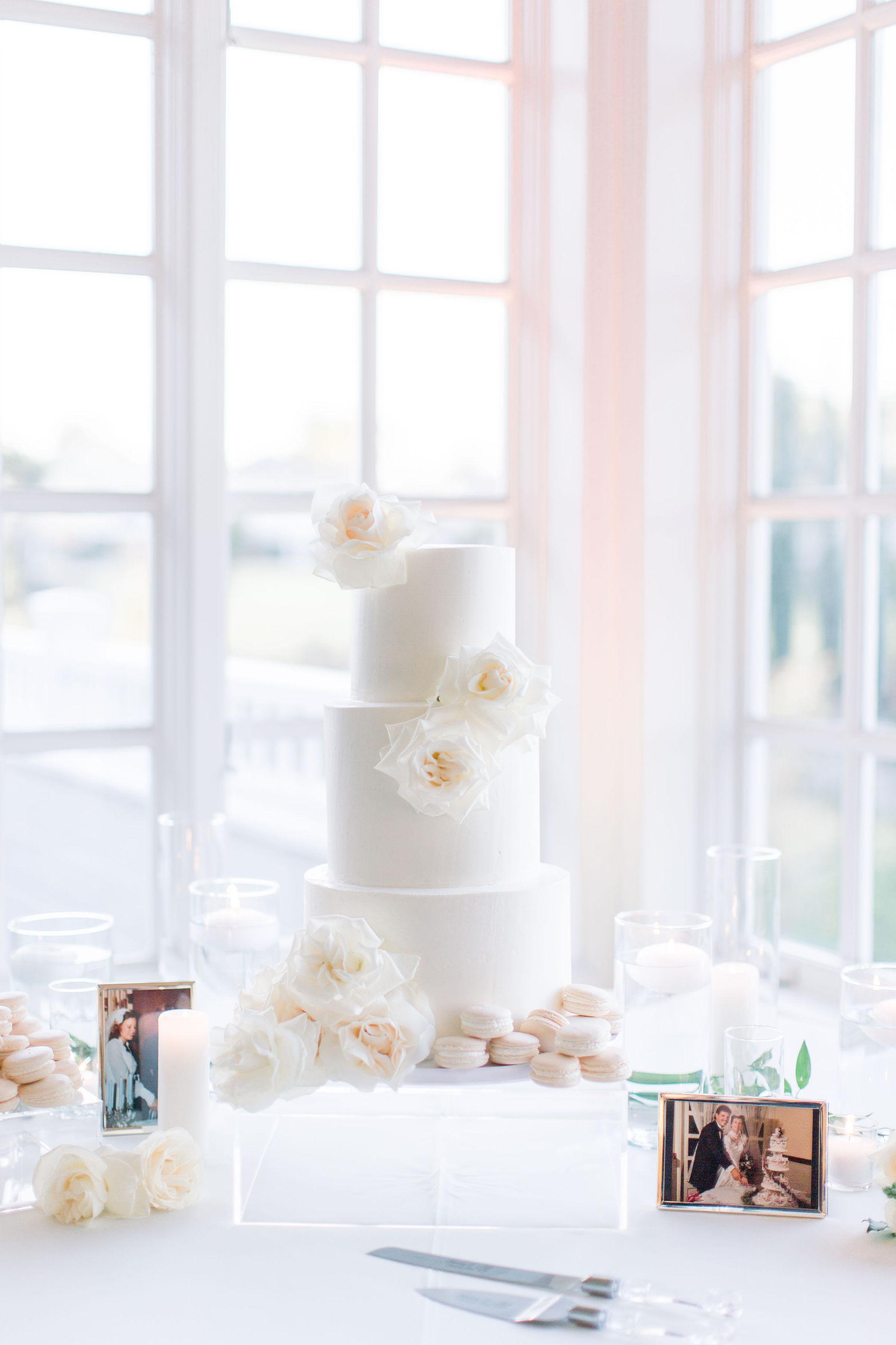 sydney-bodi-wedding-budget-friendly-blooms-carmel-mountain-white-flowers-10.jpg