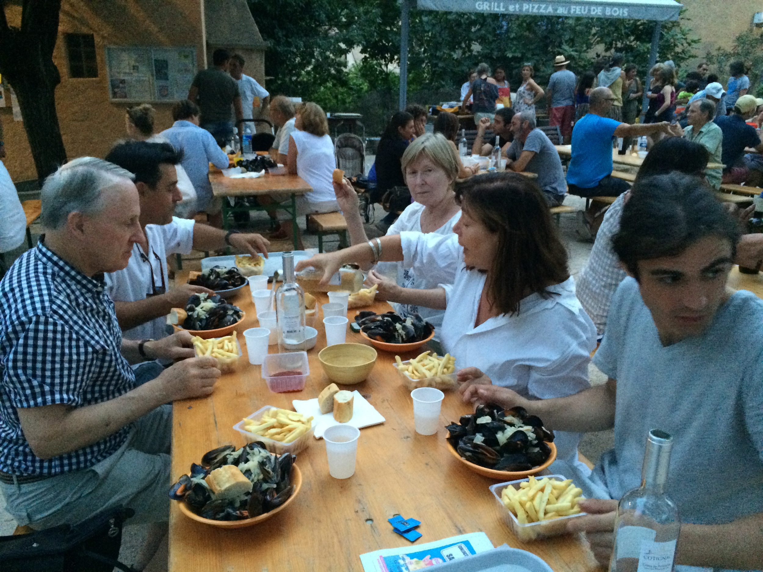 Moules-Frites at the Bouledrome