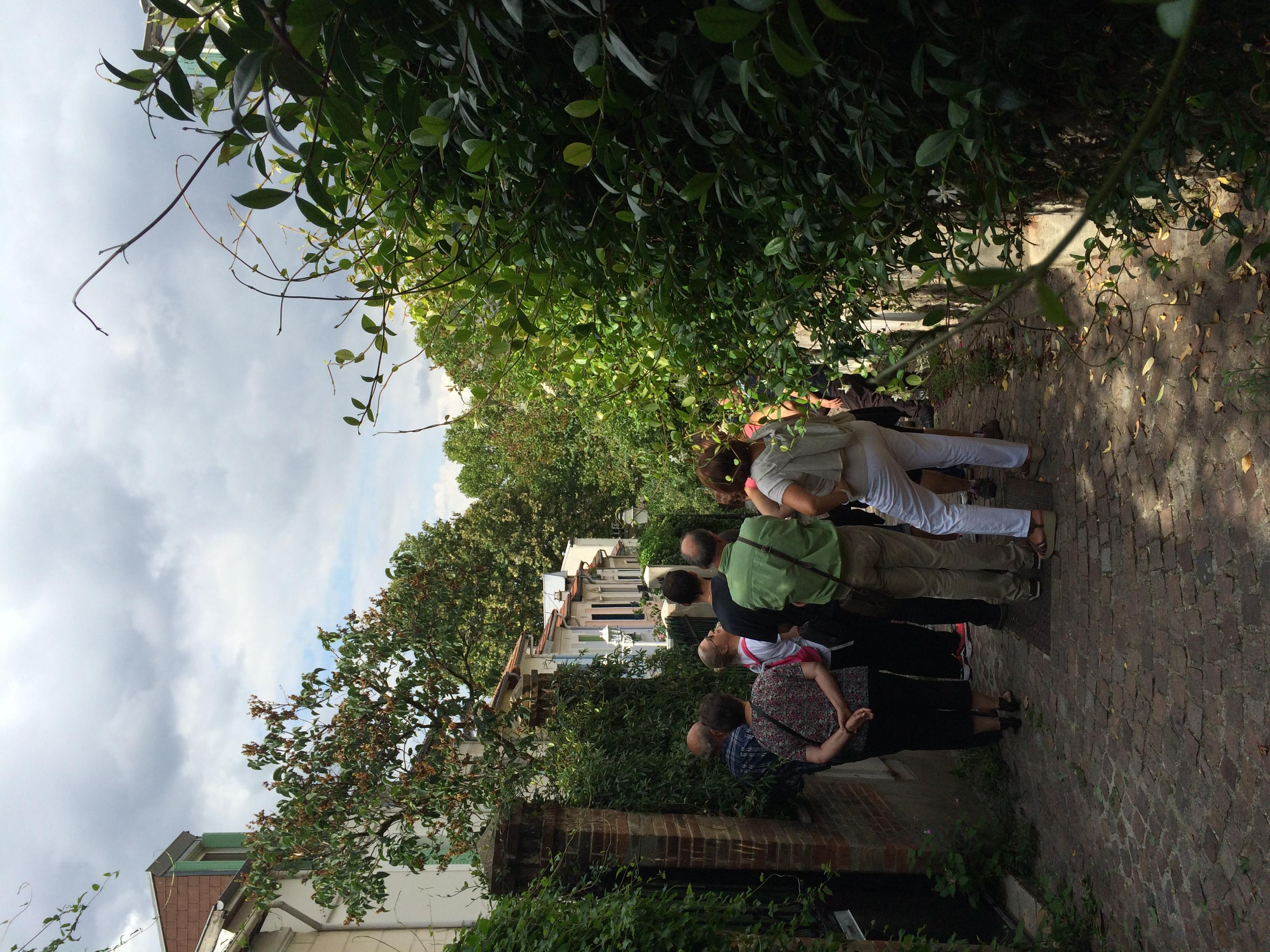 Tour Group on Villa des Lilas