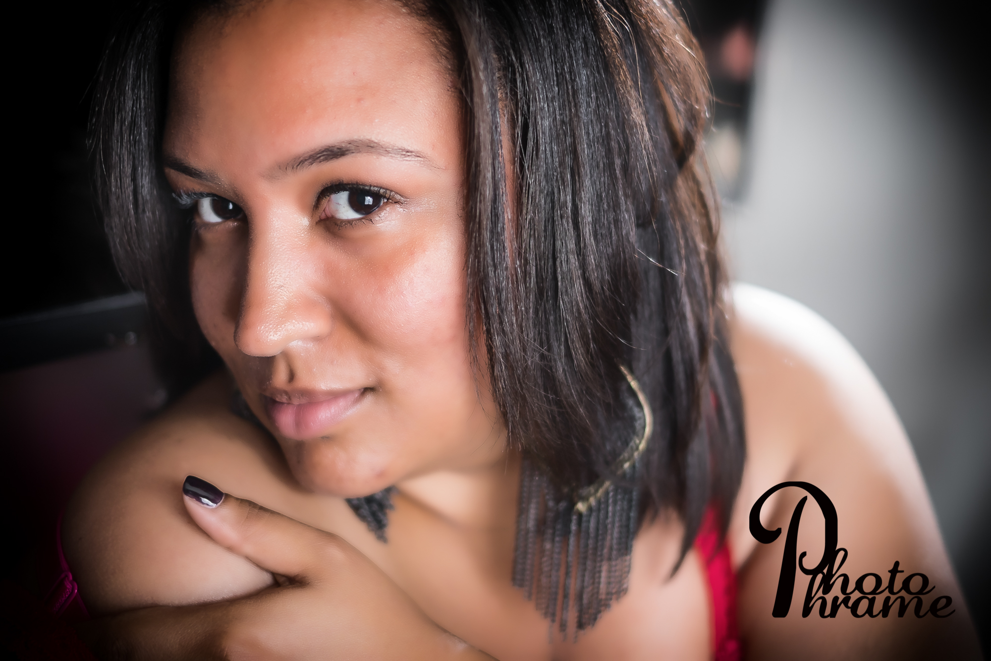 Boudoir sessions with Photo Phrame Photography is about showing that side of you that you always wanted to bring out but was afraid to ask about.
