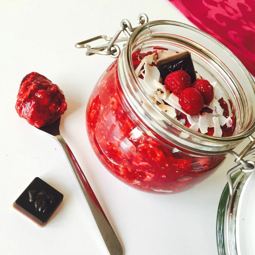 Beauty_and_the_nature_Red_Velvet_Raspberry_Oats_vegan_christmas_recipe.jpg
