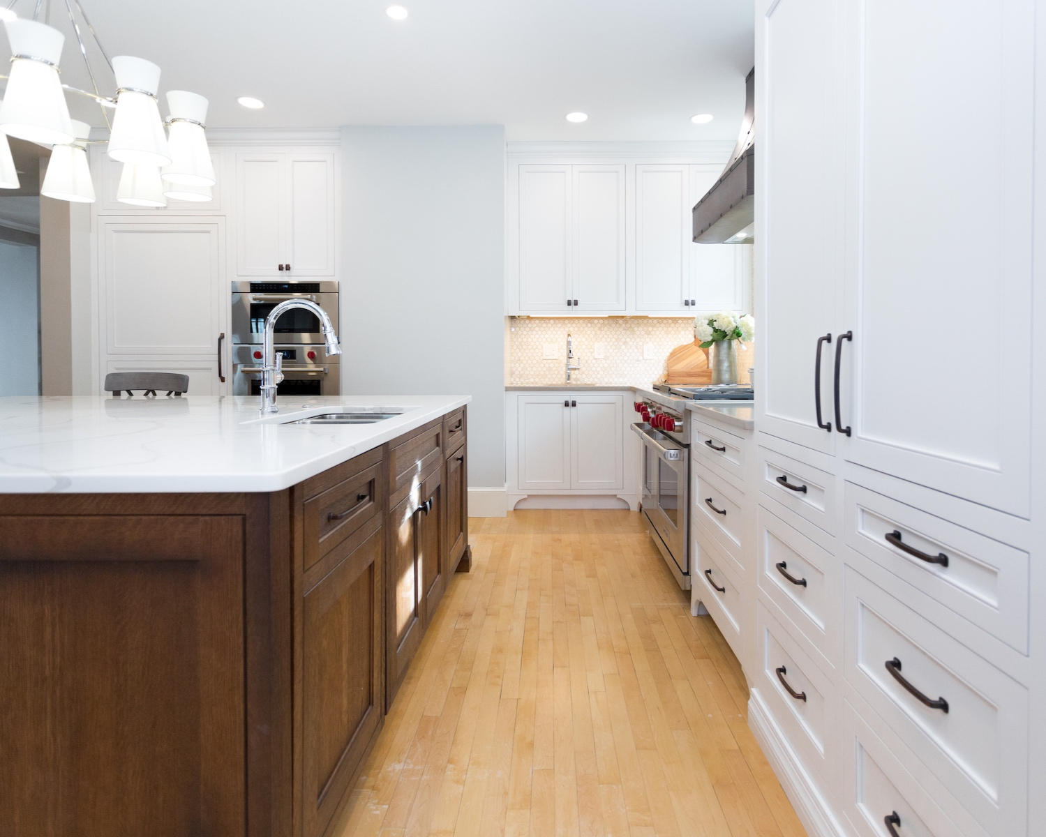 Custom Home Decor Purveyor