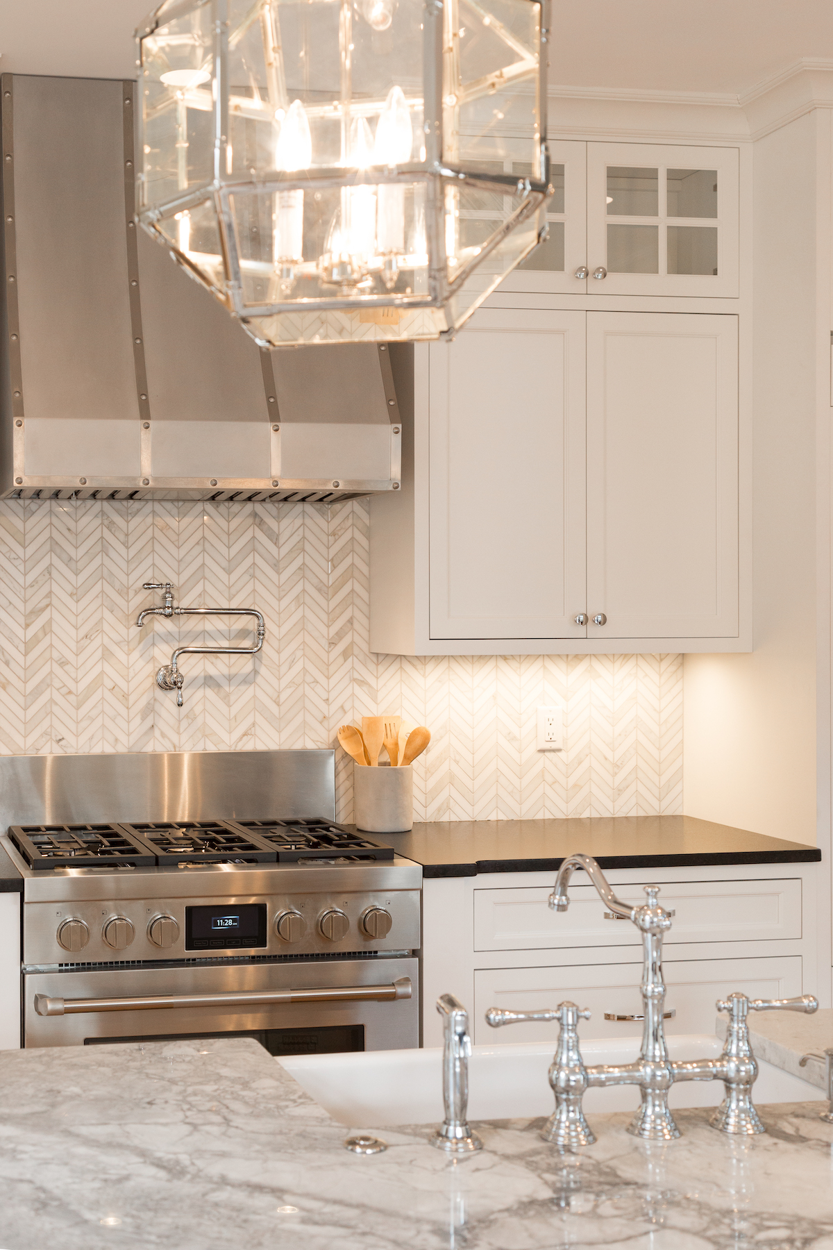 Beautiful Lighting Appliances, And Sink For New Kitchen
