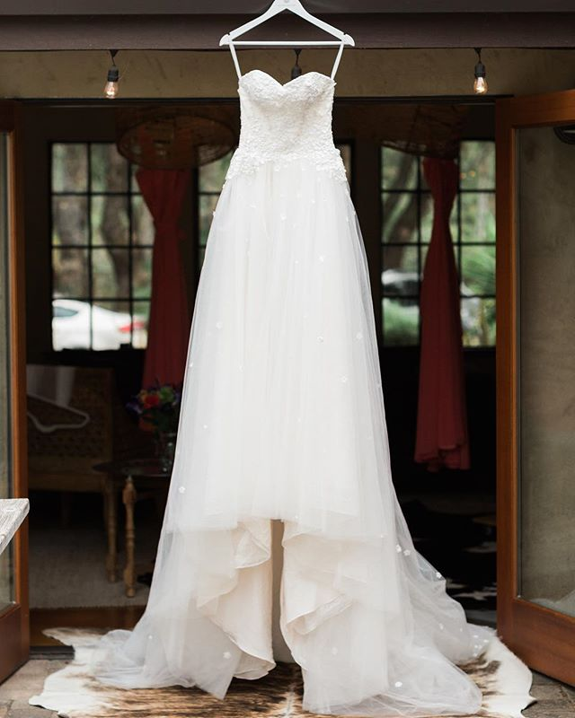 Gorgeous wedding gown. #chantelgiongcophotography