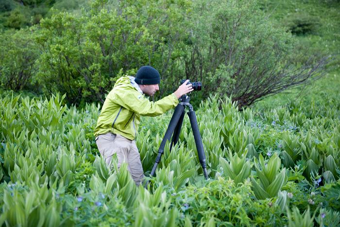 Chris Kayler photographing in the Rocky Mountains near Aspen, Colorado.