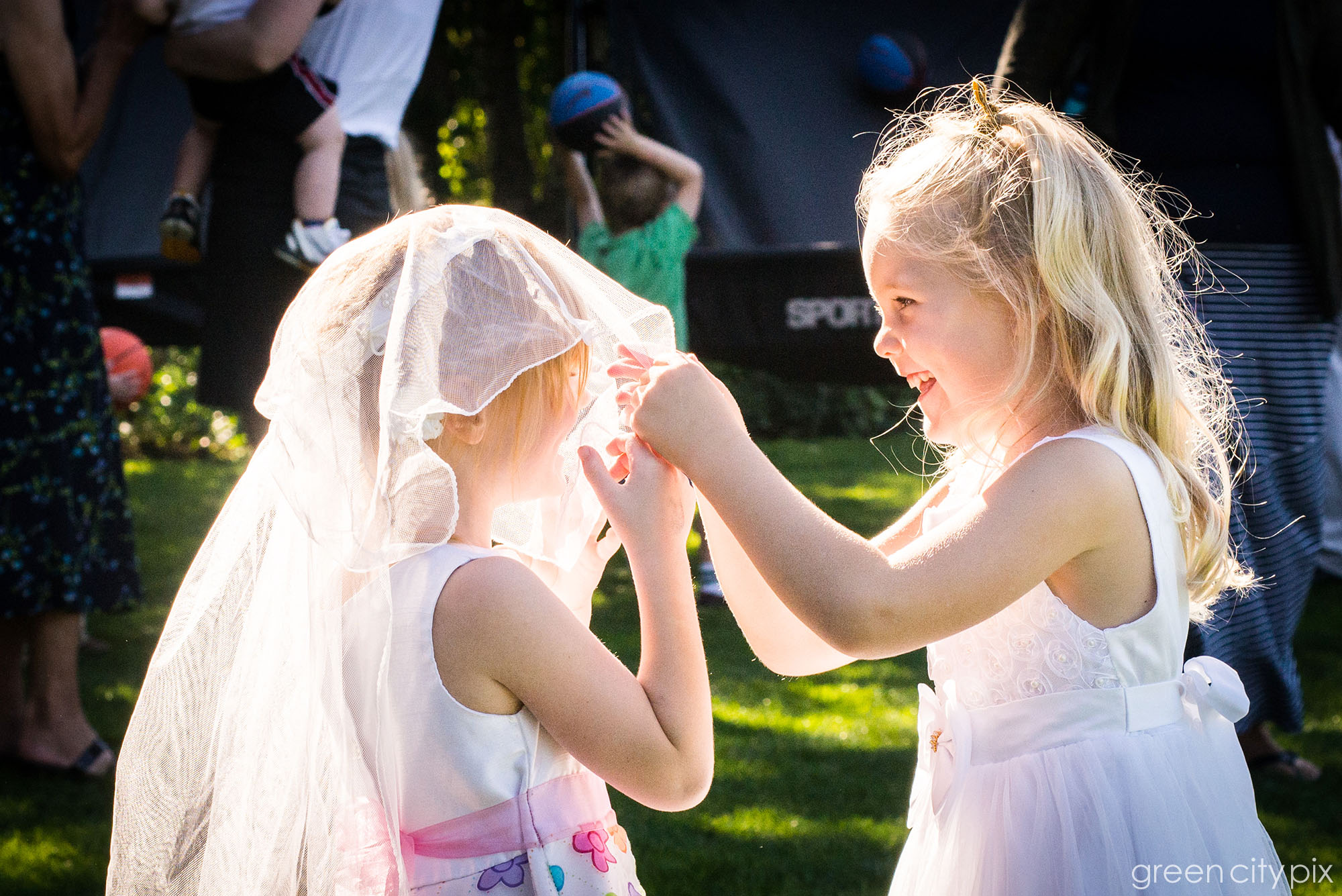 There were lots of cute kids at the wedding.