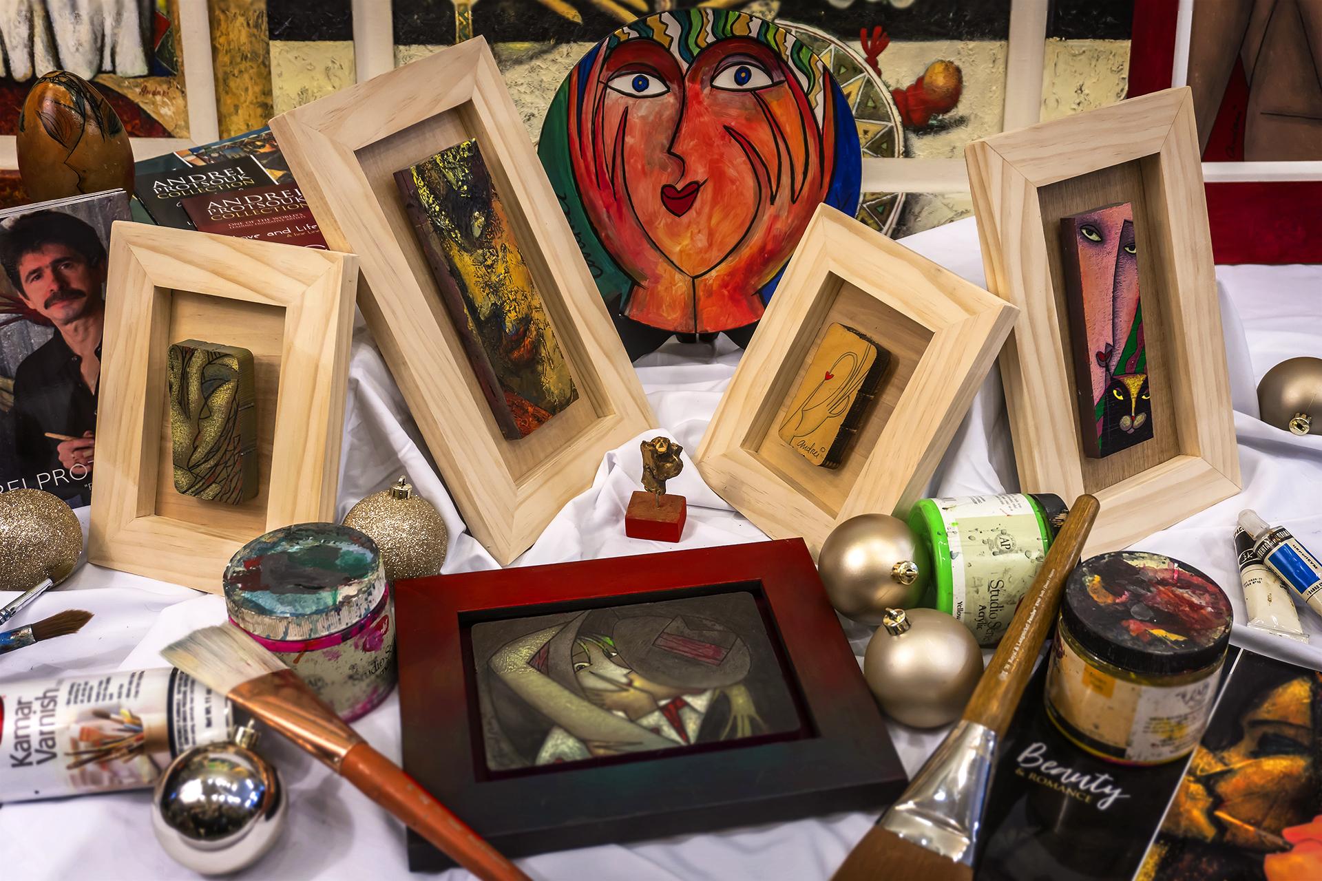 Andrei Small Frames and Originals Holidays.jpg