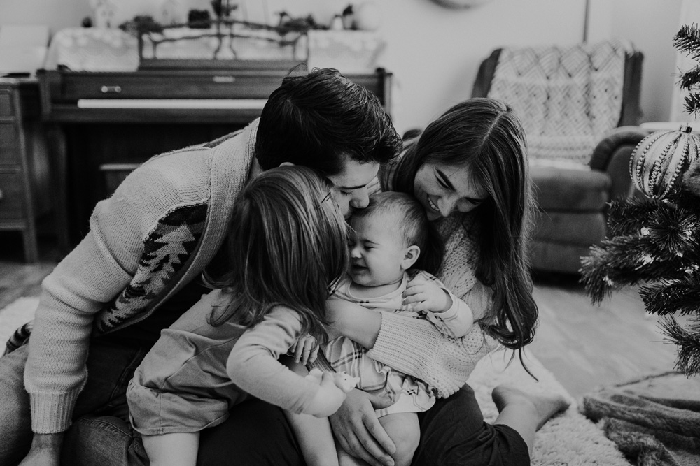 Mini Session - Young Family-028.jpg