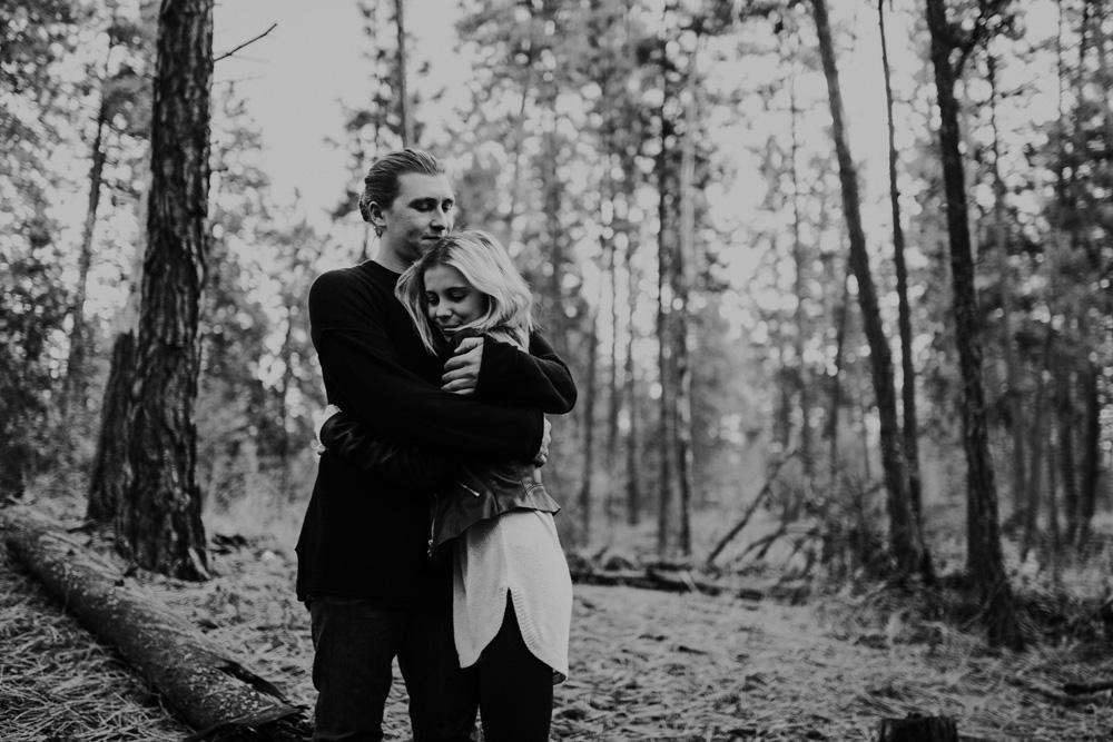 Lloydminster Engagement Photographer-012.jpg