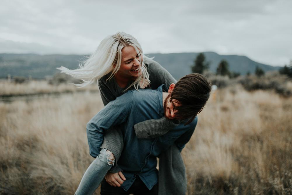 Lloydminster Engagement Photographer-119.jpg