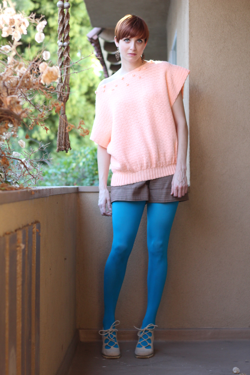 oversized peach 80s sweater_3.jpg