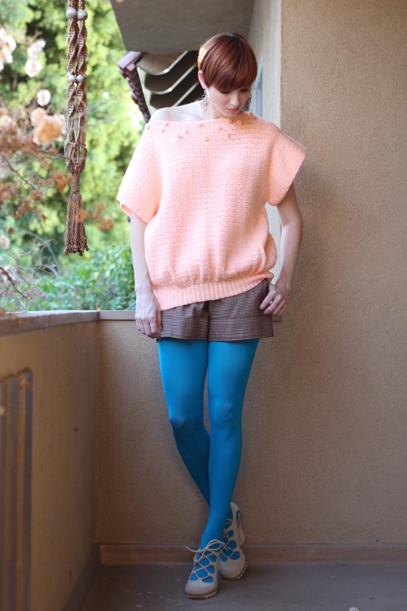 oversized peach 80s sweater_4.jpg