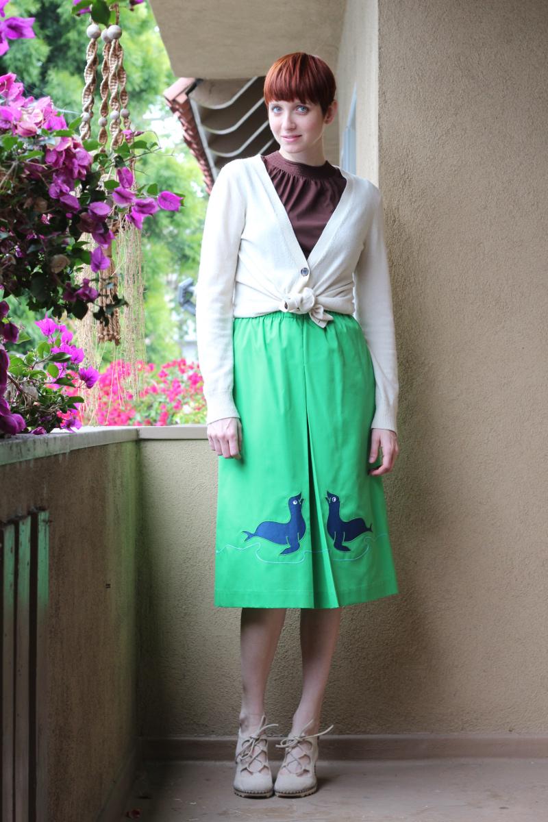 seal applique skirt_1.jpg