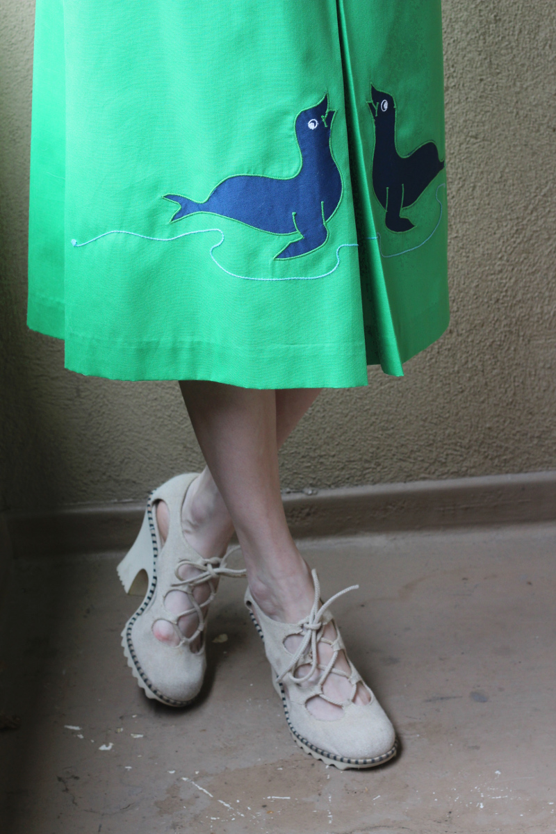seal applique skirt_3.jpg