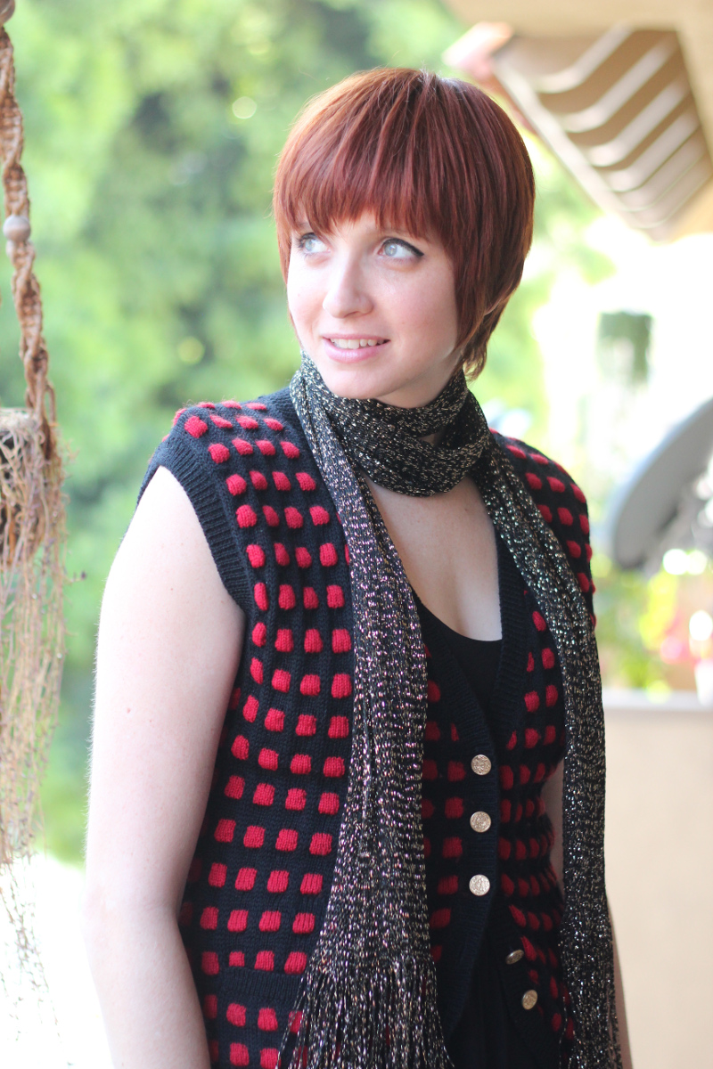 red checkered vest gold scarf_4.jpg