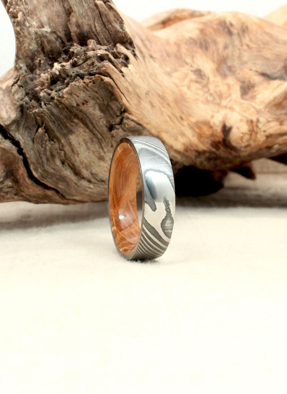 Hand-wrought Twisted Damascus Steel and Bourbon Barrel Oak Wooden Ring