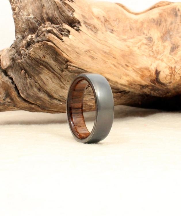 blackbird-titanium-deck-teak-wood-ring-wedgewood.jpg