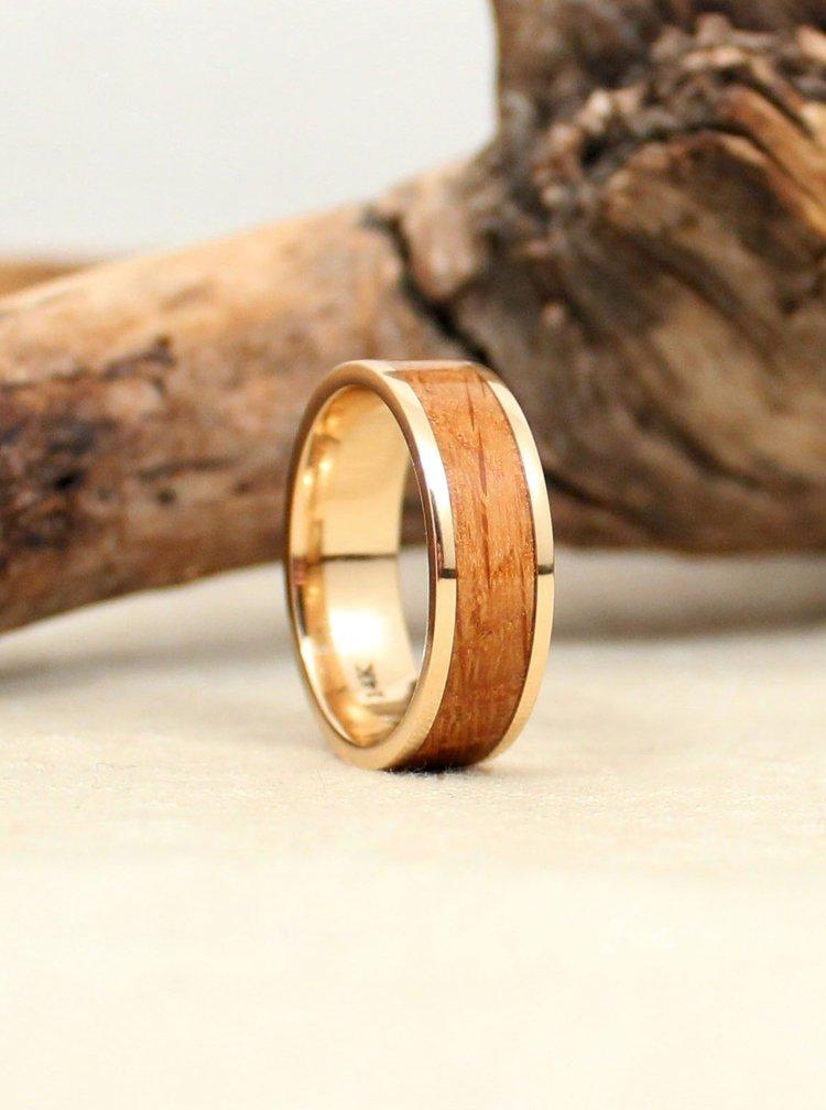 whiskey-barrel-wedding-ring-oak-gold-band-wedgewood.jpg