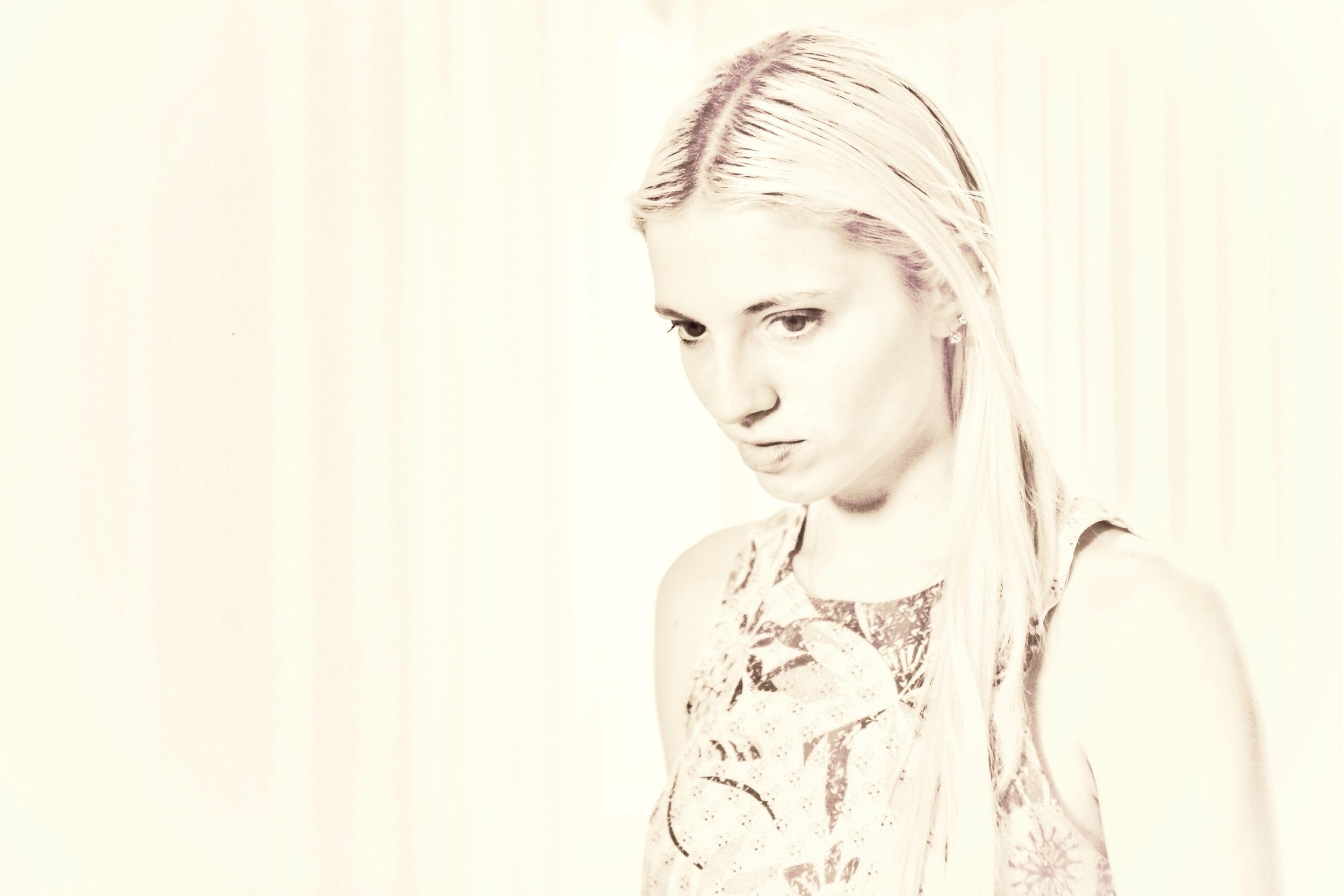 Rhianna Martin. Actress.