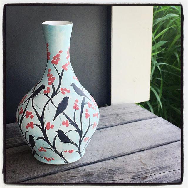 Sweet little bud vase needs a little bud. 😍