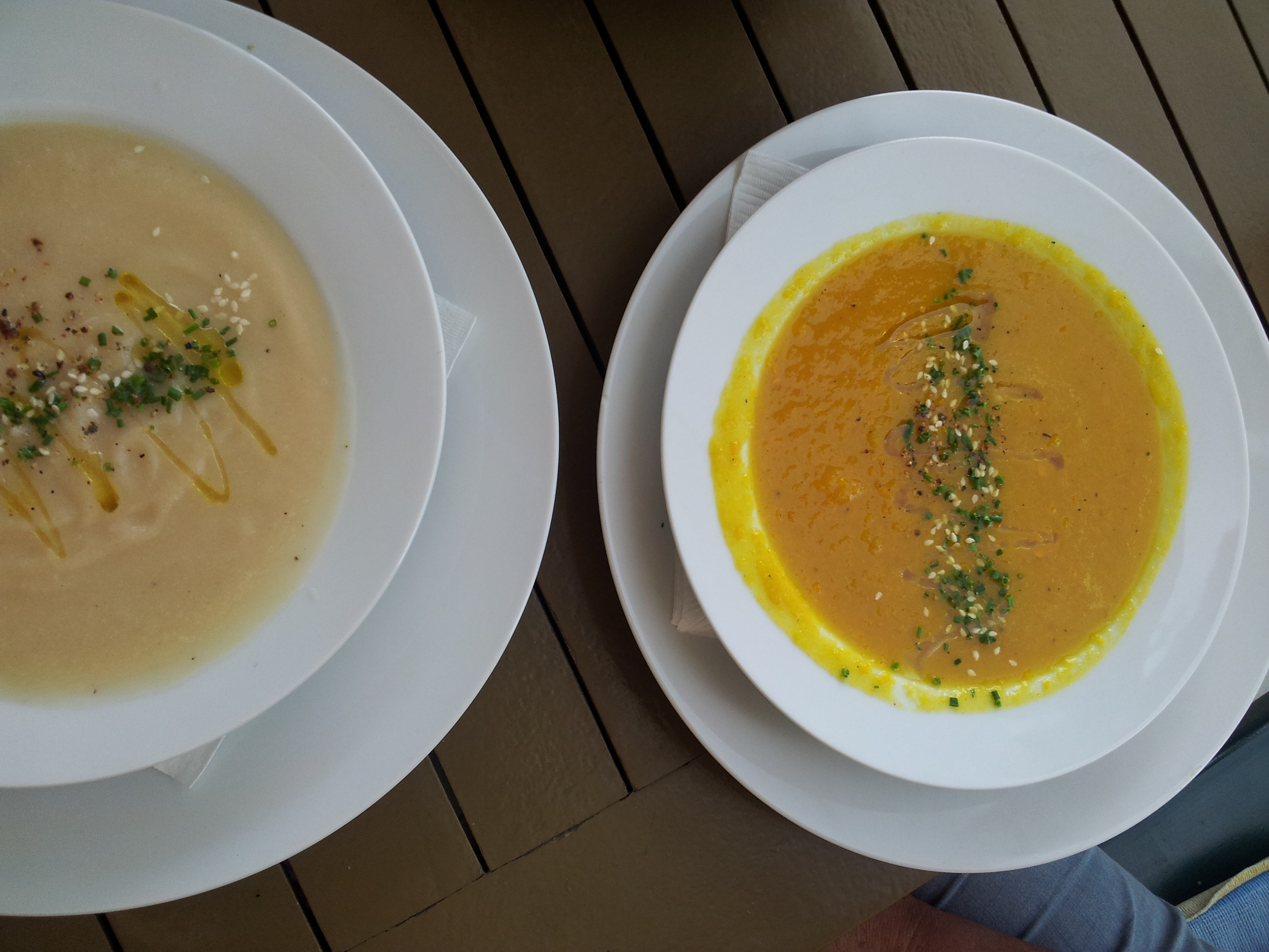 Interesting vegetarian fair at Villa Verdin: yellow capsicum soup and Kohlrabi soup with nice garnishes