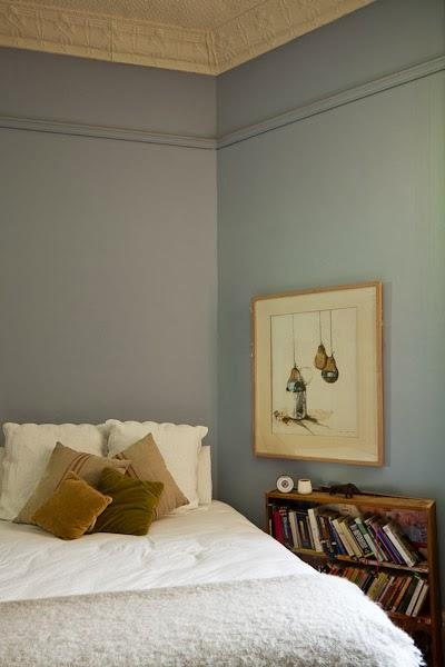 Barham_Avocados_Sarah_Anderson_Victoria_bedroom_bed_books_farm_house