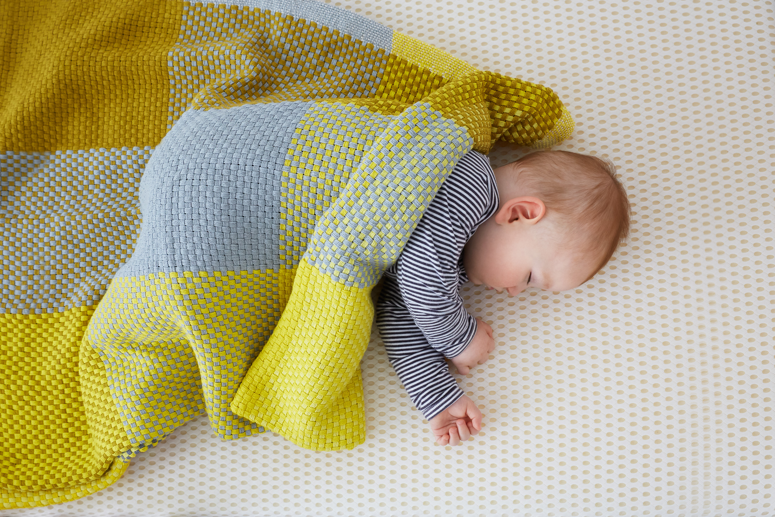 Sarah_anderson_photography_Aerobu_baby_mattress_baby_close_up_sleeping