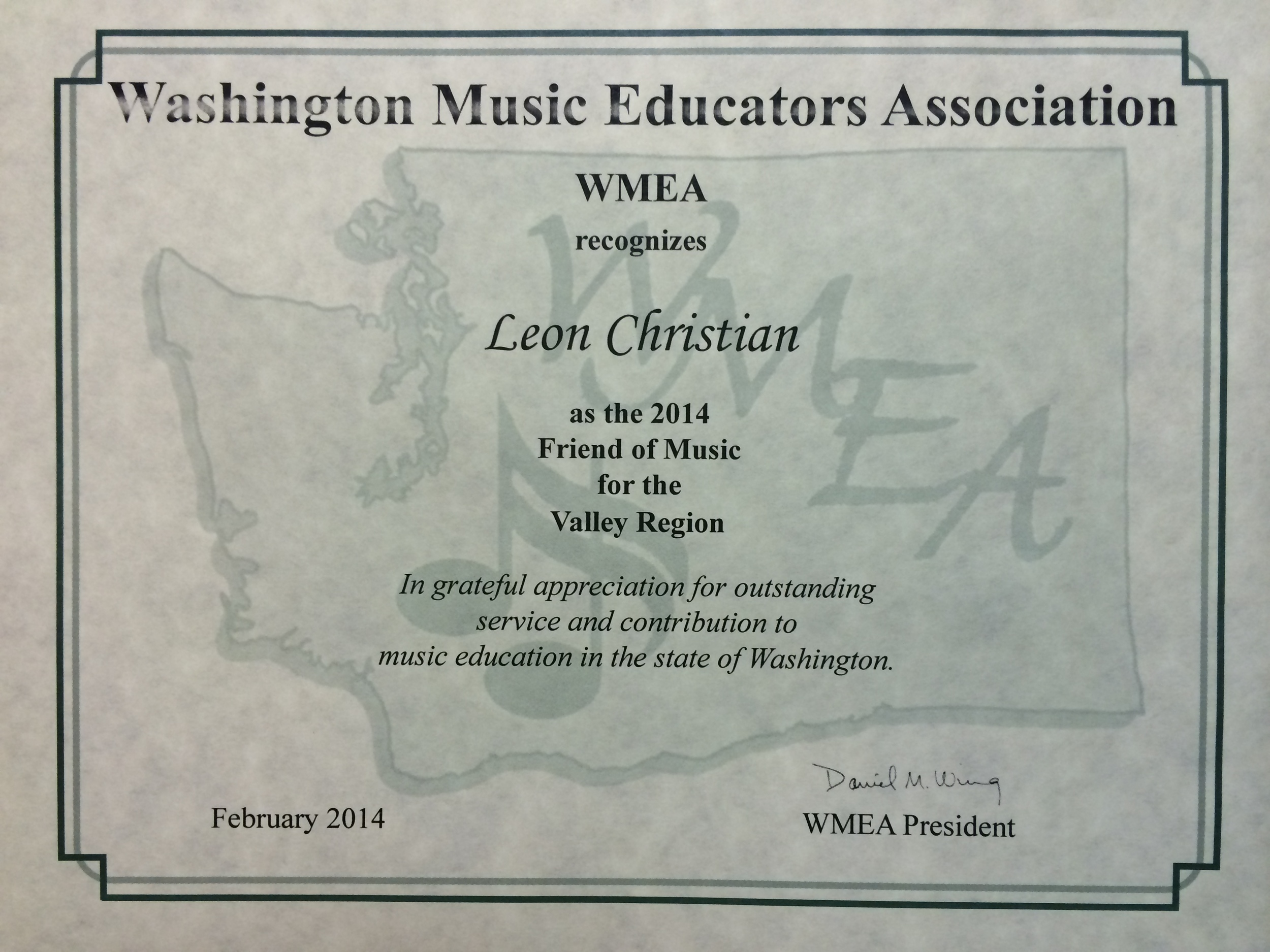 Leon-Christian-Guitar-2014-WMEA-Friend-of-Music-Award-01