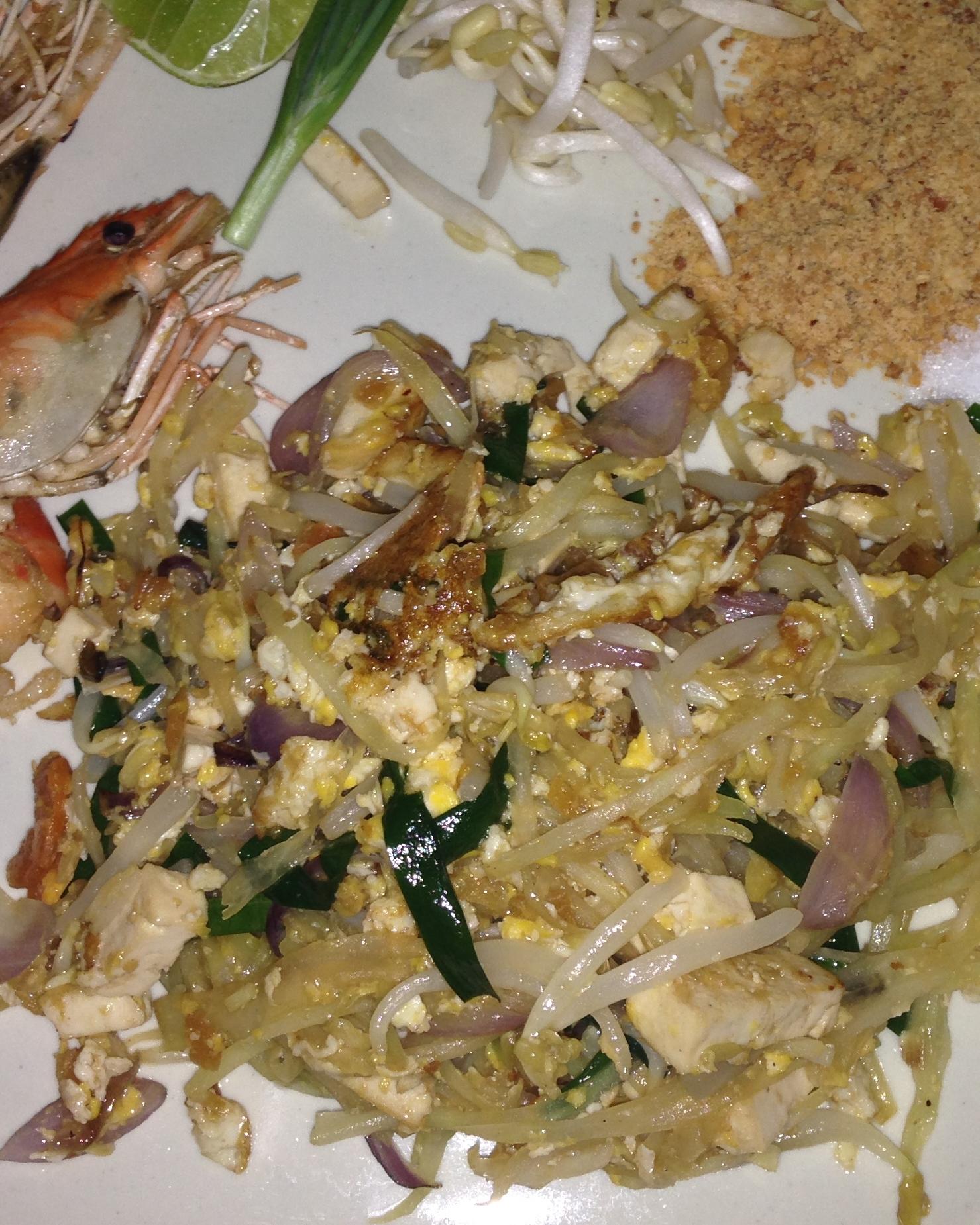 Pad thai, nejznámější a nejoblíbenější nudlový pokrm.
