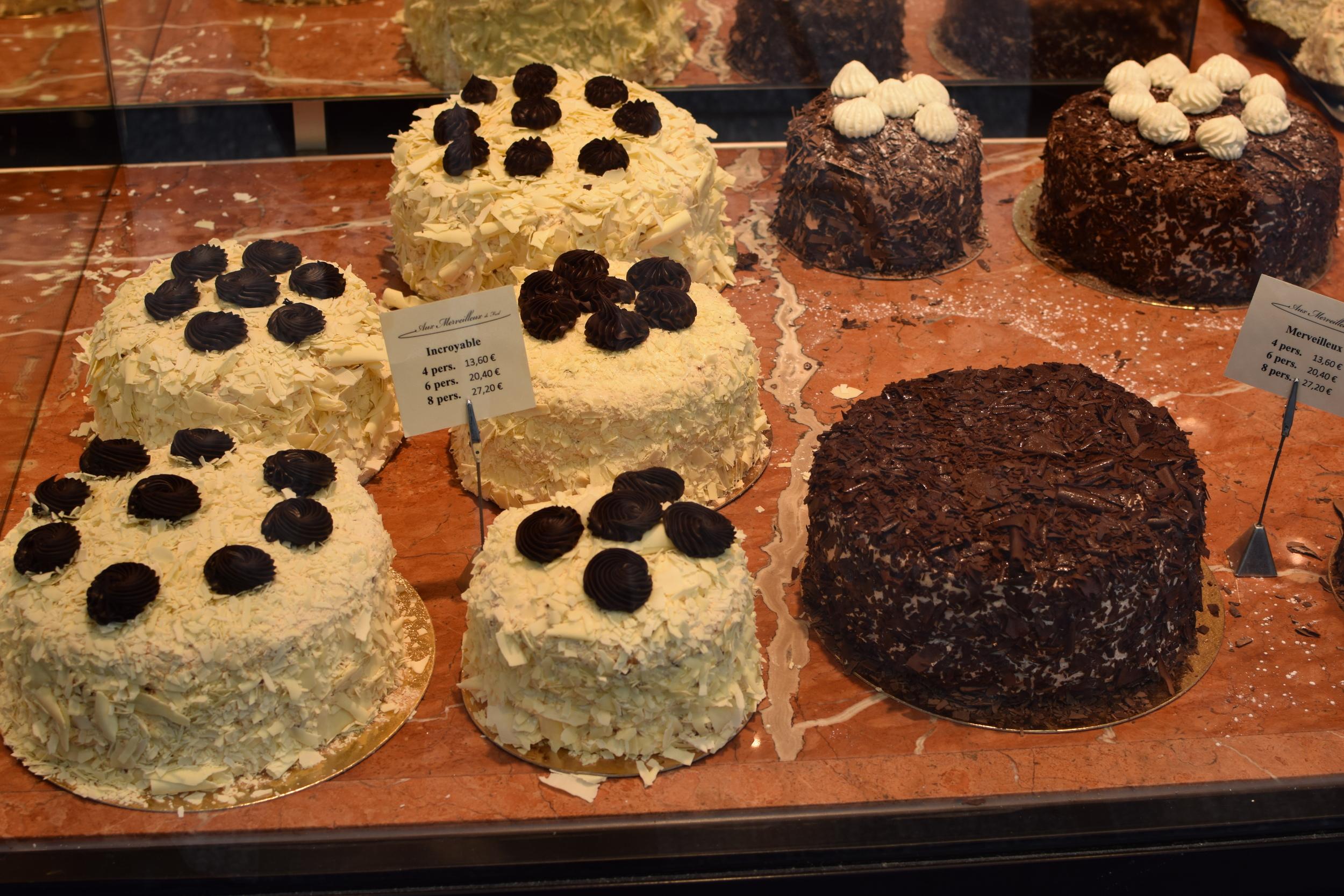 nejen malé, střední, trochu větší, ale i dortíky