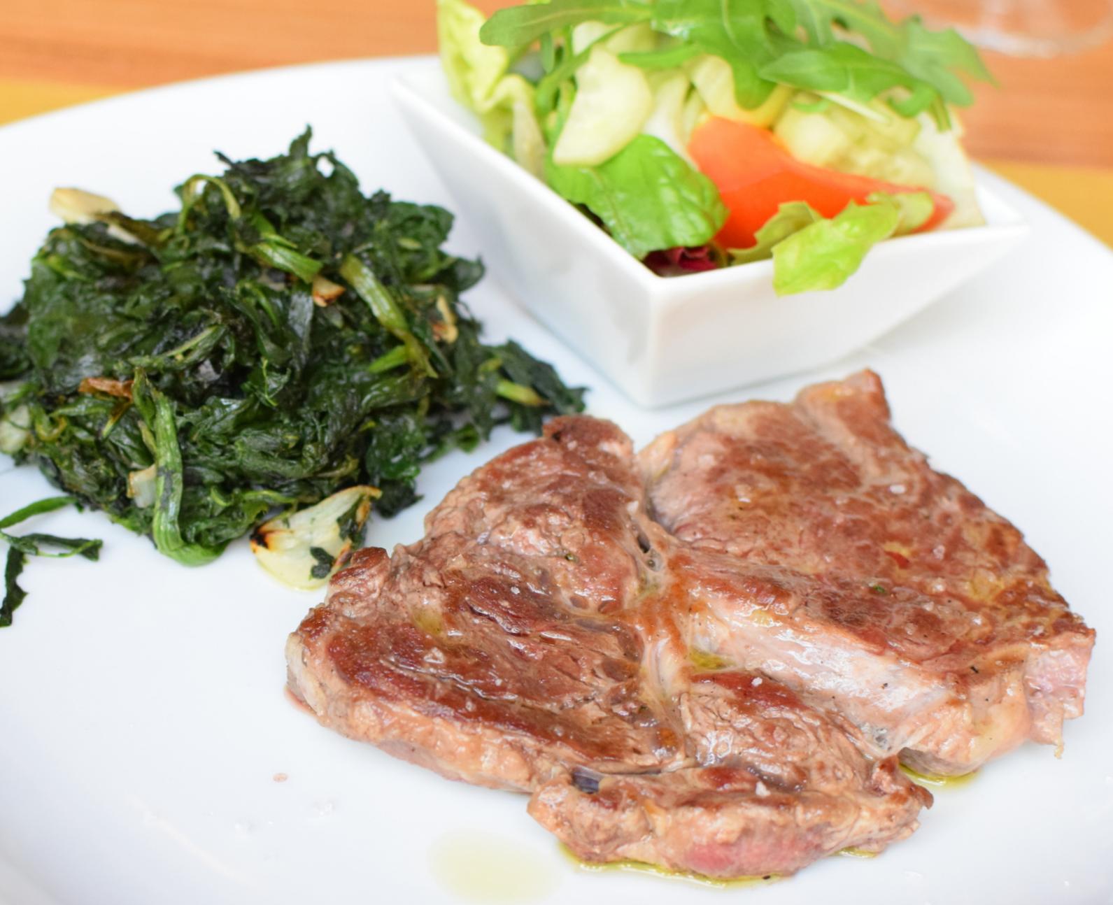 marinovaný, křehčený steak z Angusu
